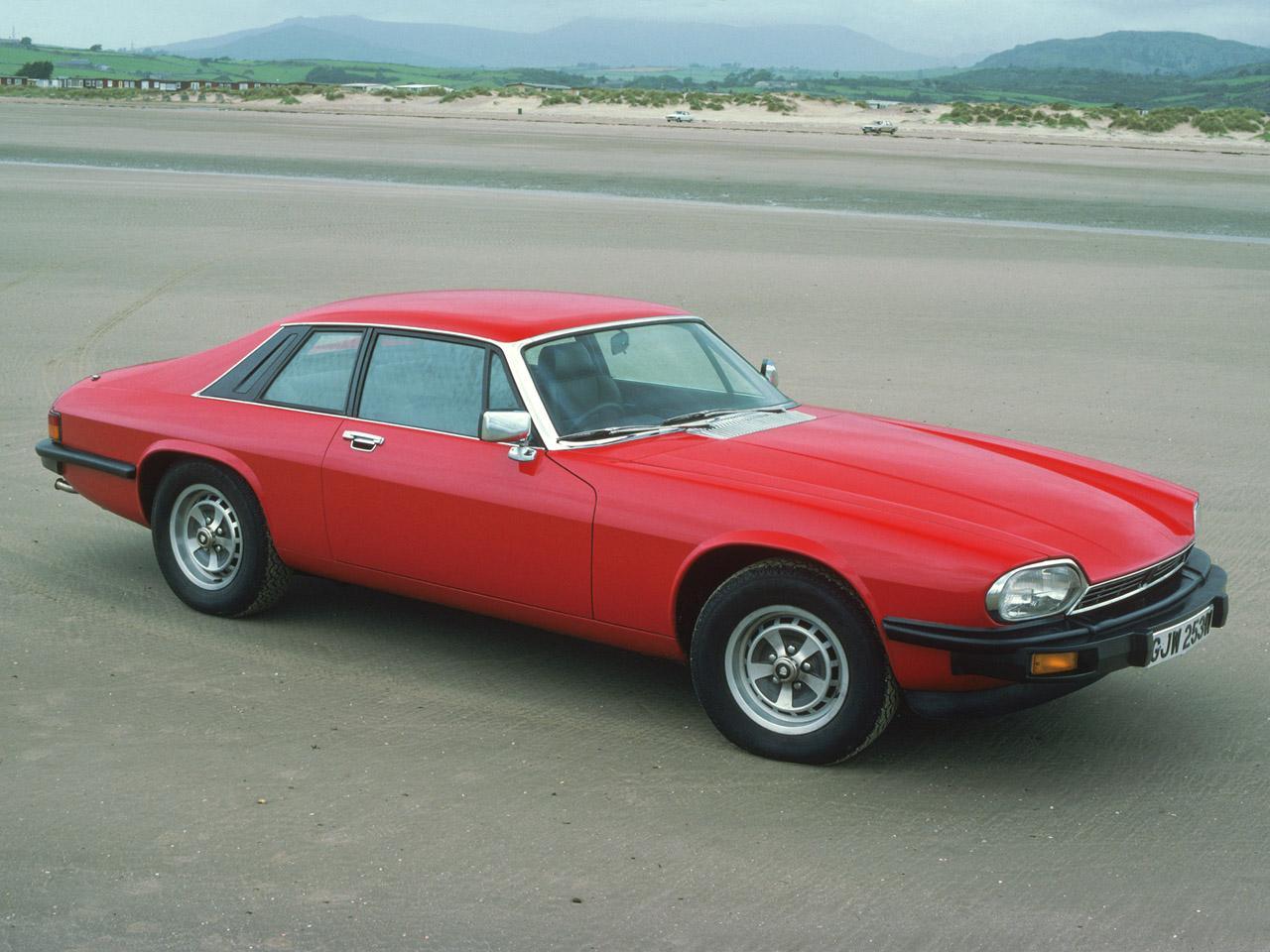 Jaguar xjs photos photogallery with 69 pics carsbase jaguar xjs pic publicscrutiny Gallery
