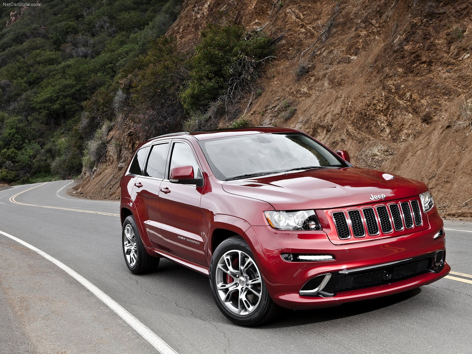 Jeep Grand Cherokee SRT8 photos  PhotoGallery with 42 pics