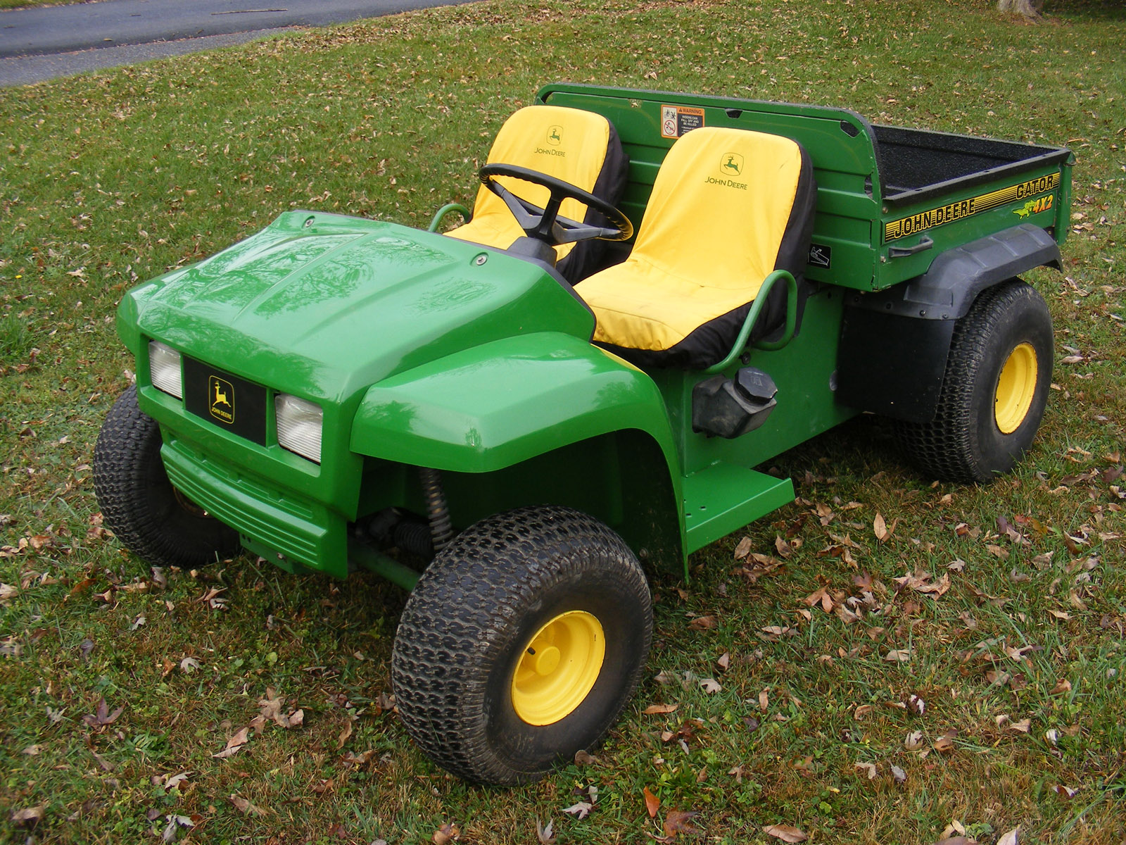 john deere gator photos photogallery with 13 pics. Black Bedroom Furniture Sets. Home Design Ideas
