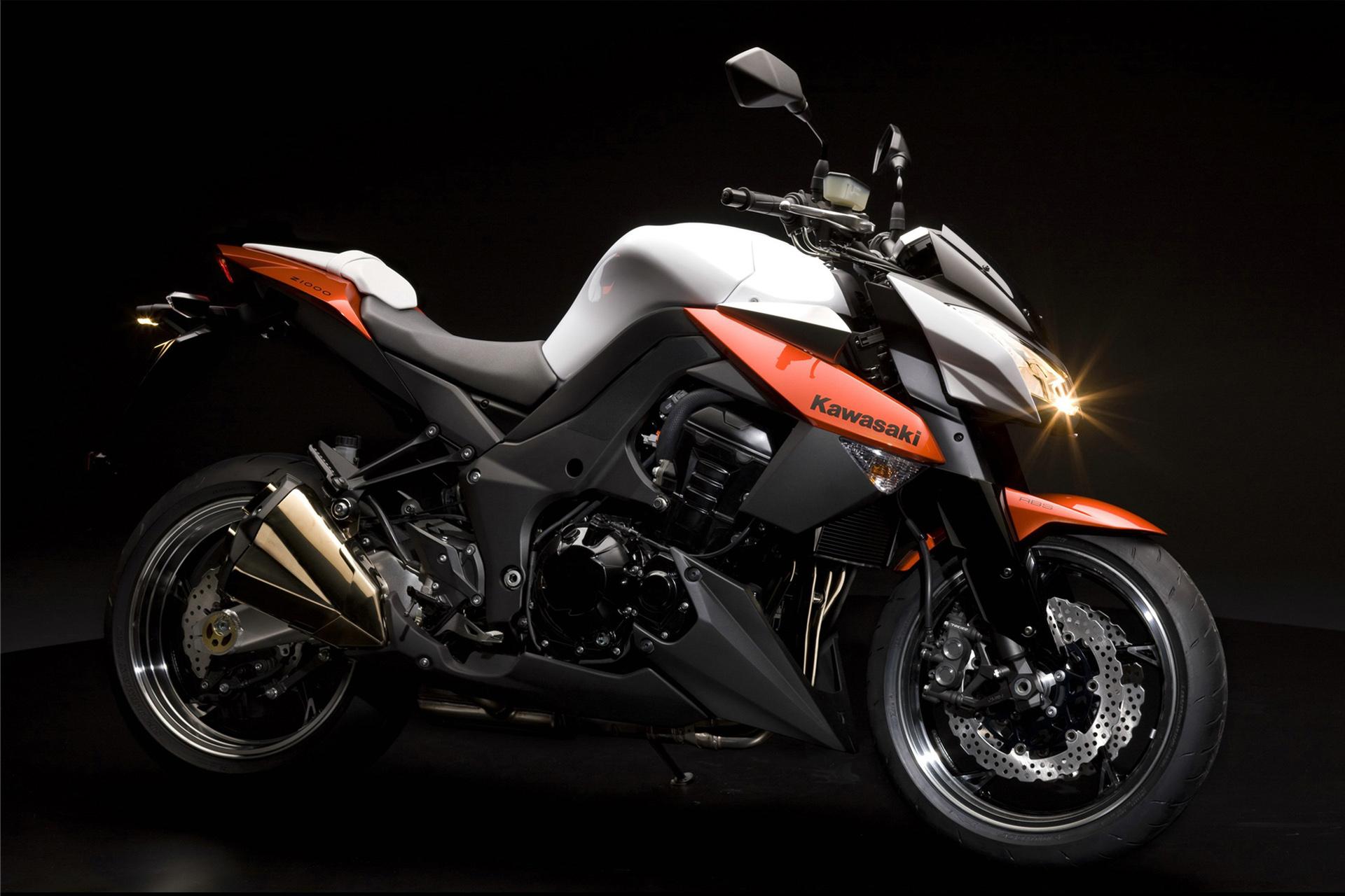 Kawasaki Z1000 Photo 68325