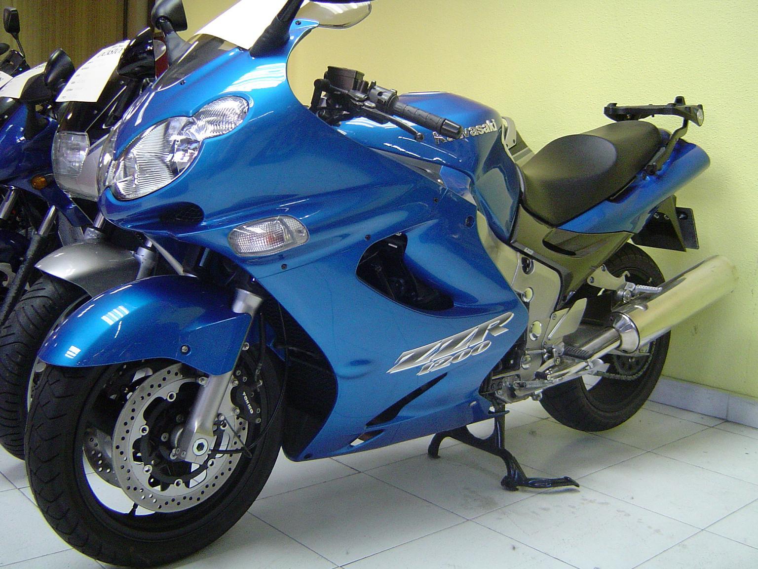 Kawasaki ZZR1200 photos - PhotoGallery with 4 pics ...
