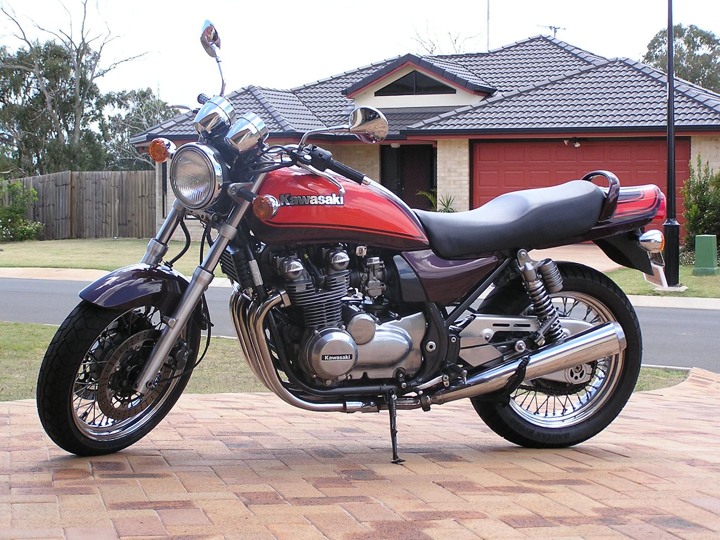 Kawasaki Zephyr 750 Photos Photogallery With 3 Pics