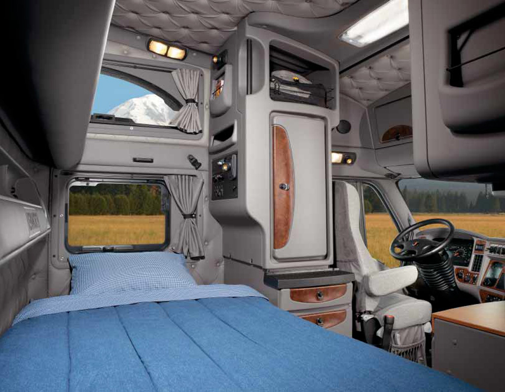 Kenworth t2000 photos photogallery with 16 pics for Camion americain interieur