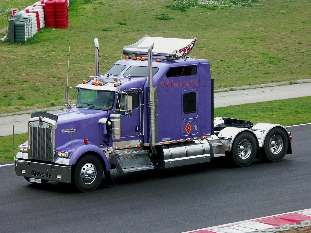 Kenworth W900 Photos Photogallery With 20 Pics Carsbase Com