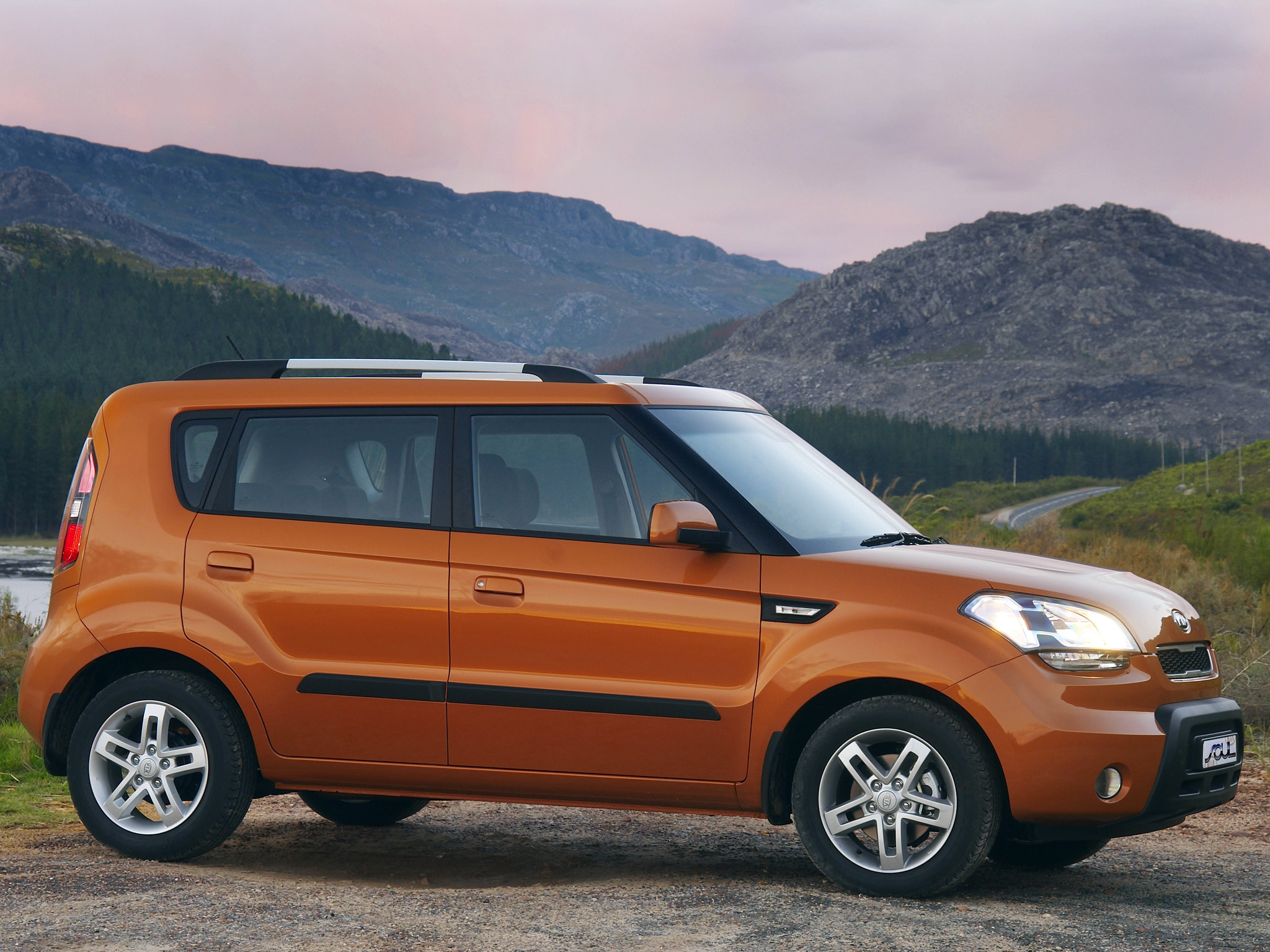 kia soul photos photo gallery page 2 cars pictures. Black Bedroom Furniture Sets. Home Design Ideas