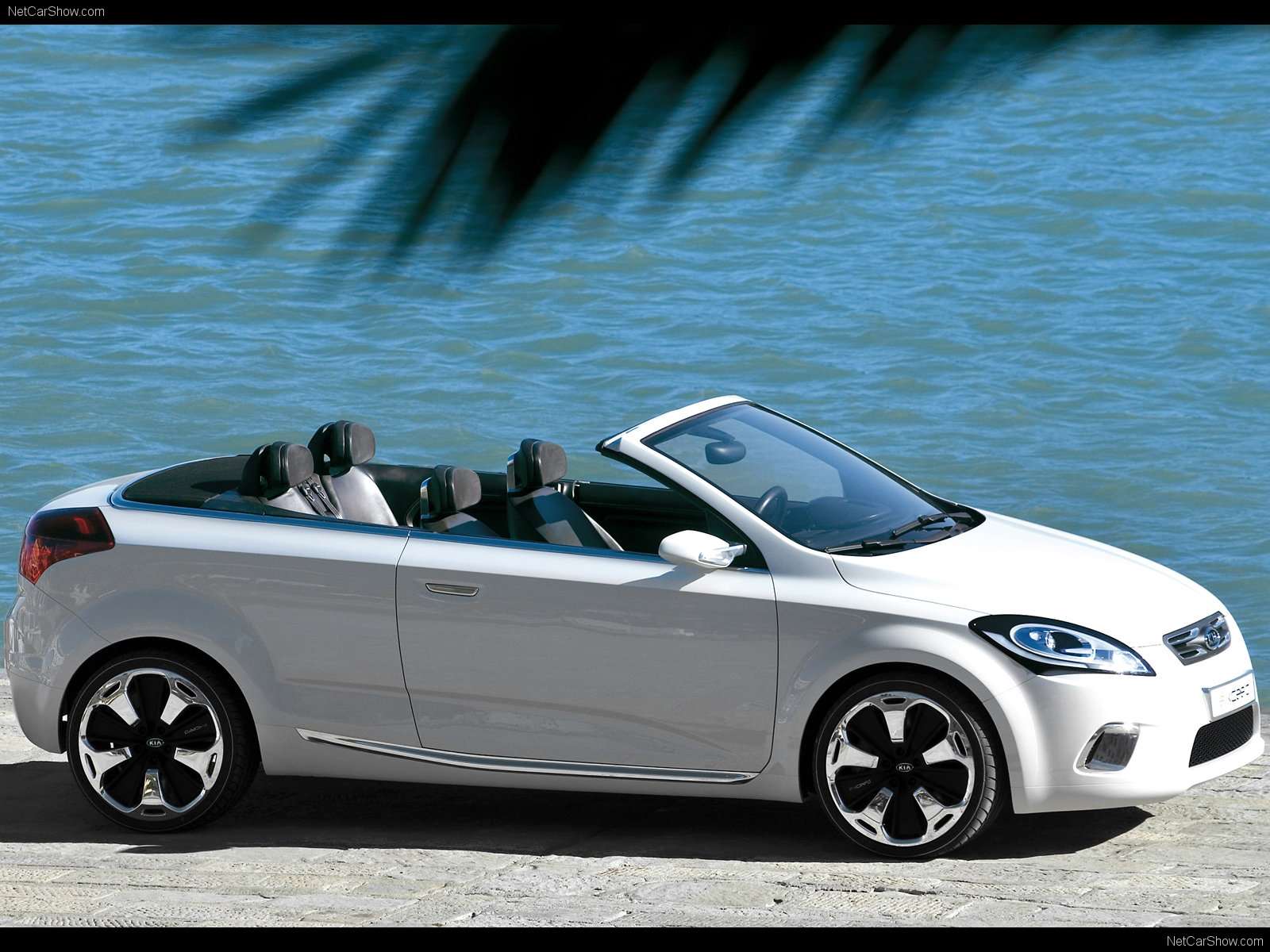 kia ex cee d cabrio photos photogallery with 2 pics. Black Bedroom Furniture Sets. Home Design Ideas