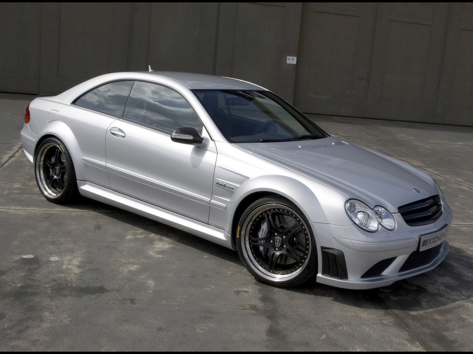 Kicherer mercedes benz clk 63 amg photos photogallery for Mercedes benz clk 63 amg