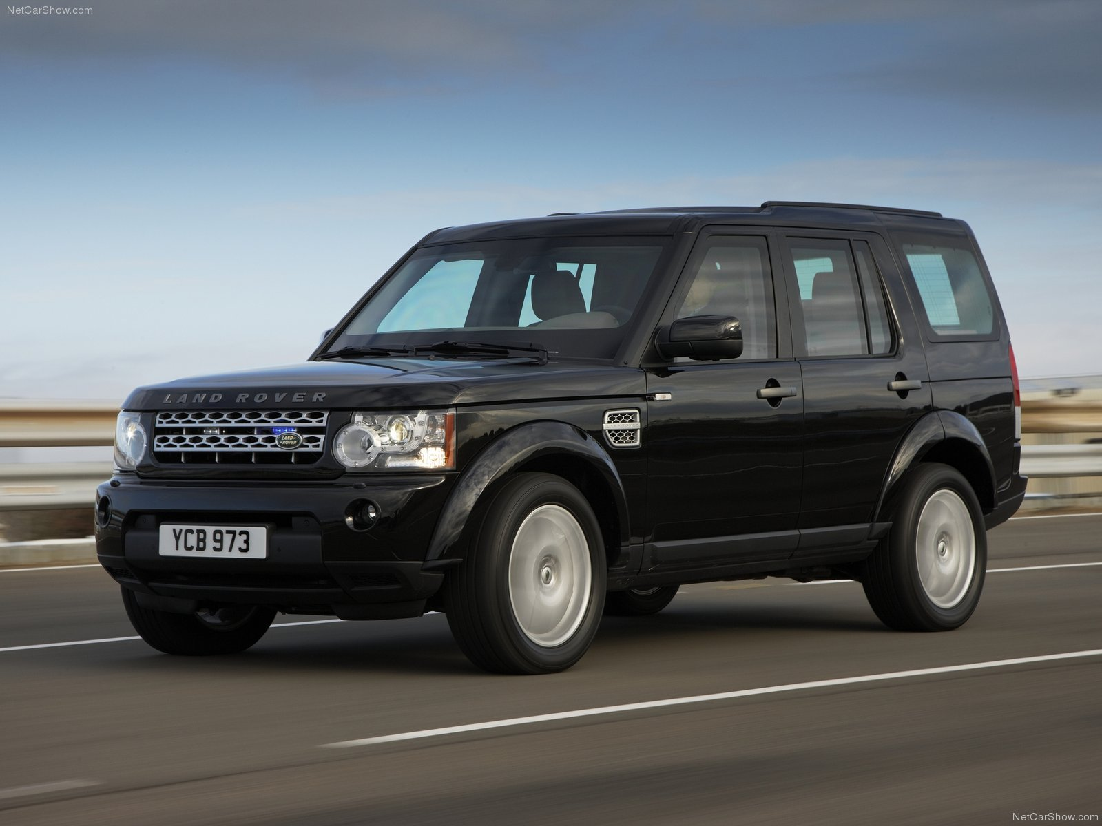 Land Rover Discovery 4 Armoured Photos Photogallery With