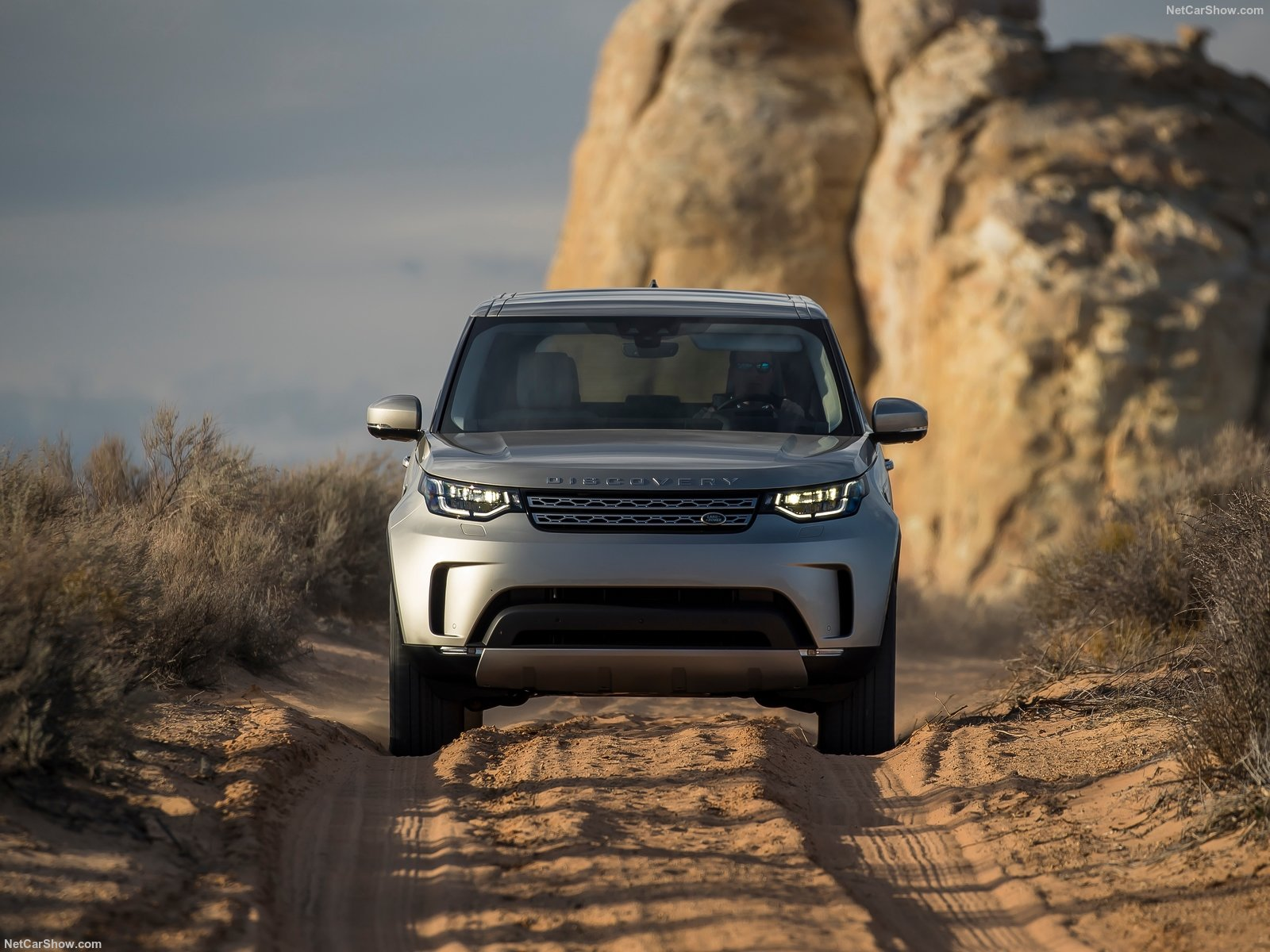 Land Rover Discovery photo 180229