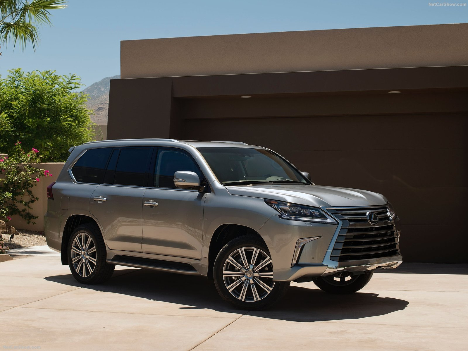 Lexus LX photo 189627