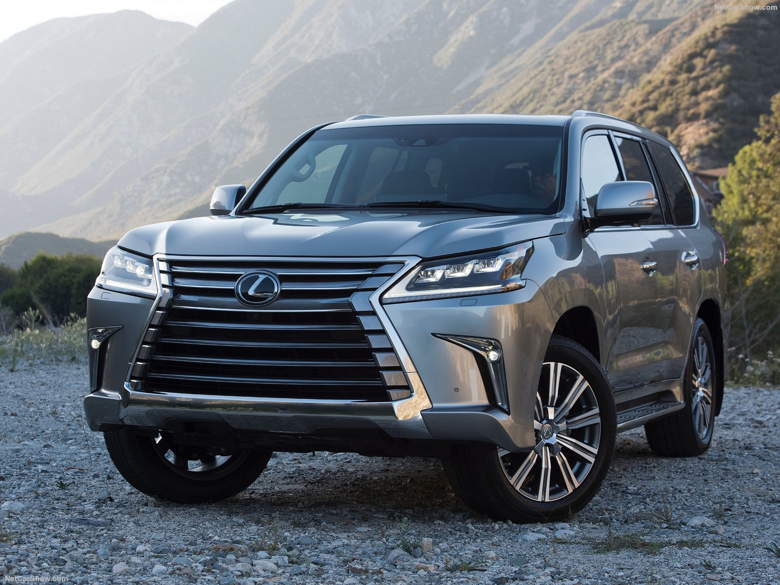 Lexus LX photo 189628