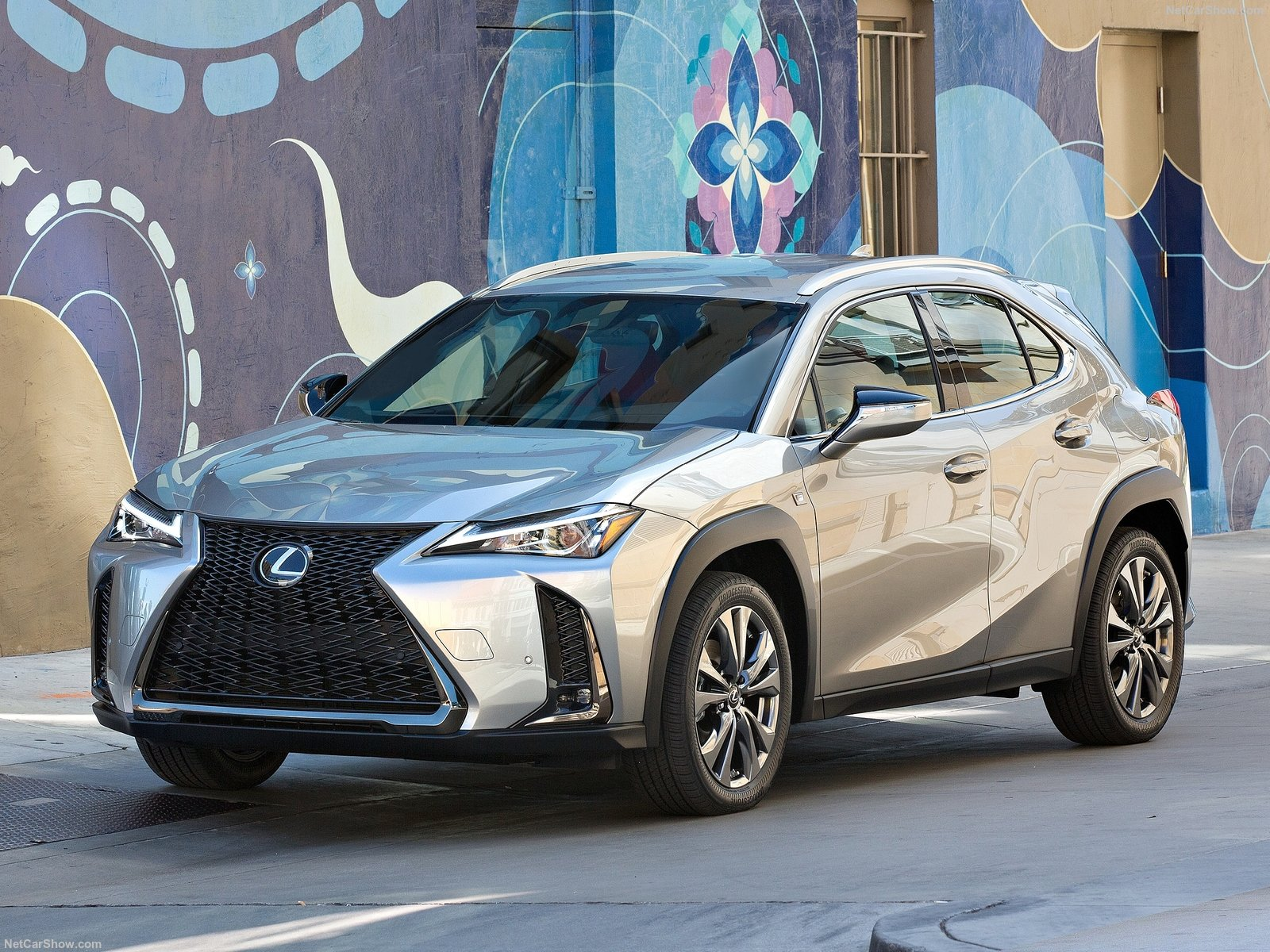 Lexus UX photo 189600