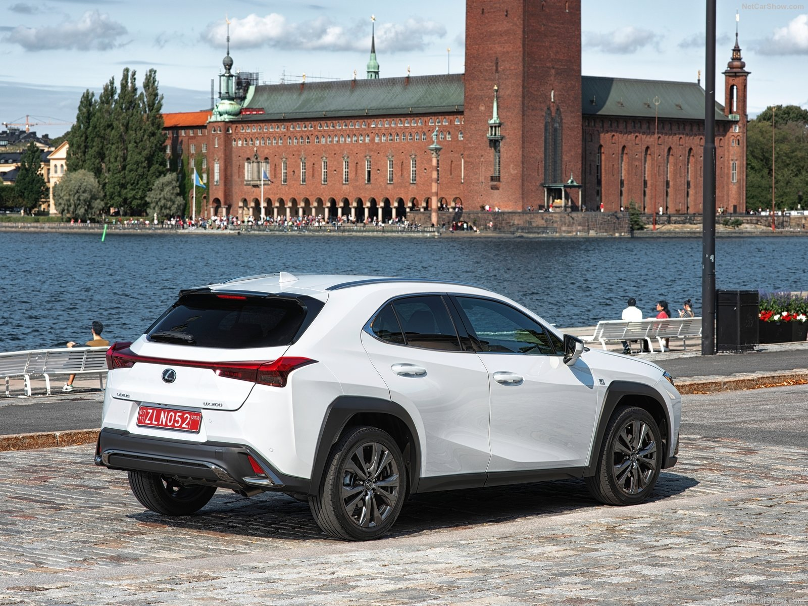 Lexus UX photo 190344