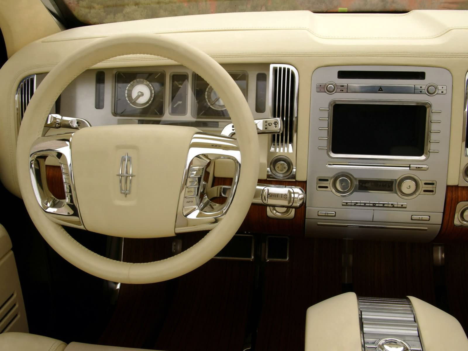 Lincoln Aviator Photos Photogallery With 42 Pics Carsbase Com