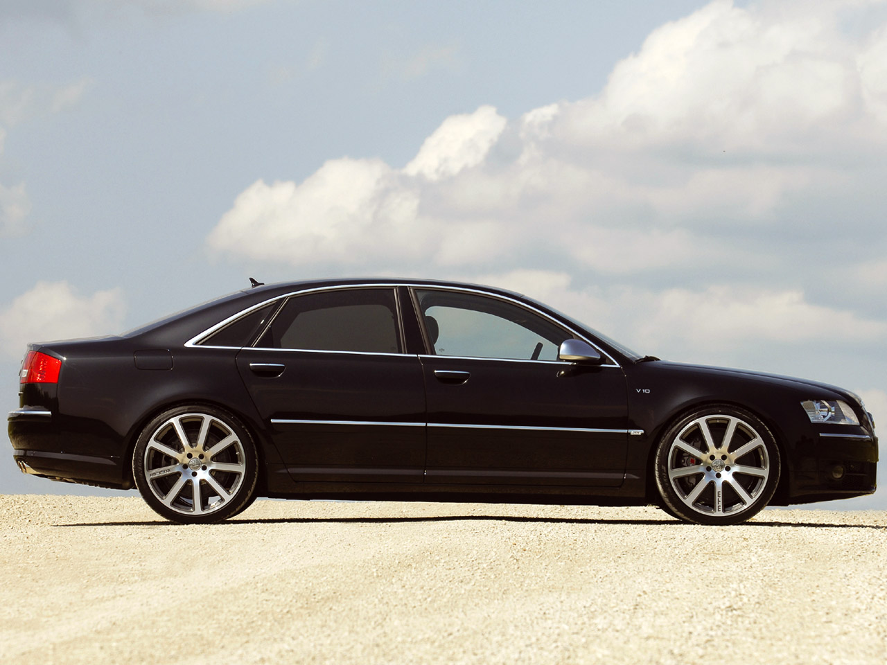 MTM Audi S8 photos - PhotoGallery with 3 pics| CarsBase.com