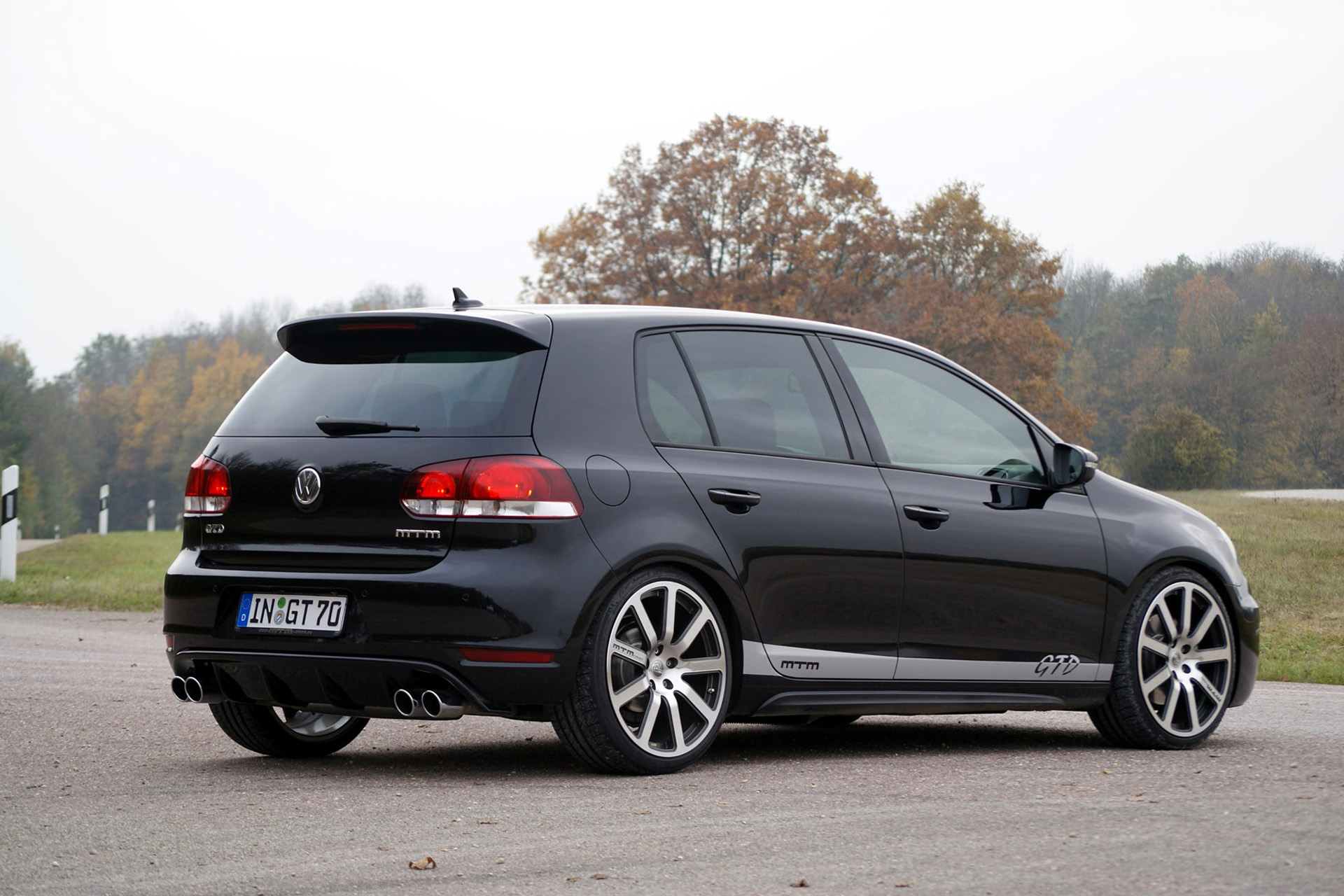 mtm vw golf gtd photos photogallery with 6 pics. Black Bedroom Furniture Sets. Home Design Ideas