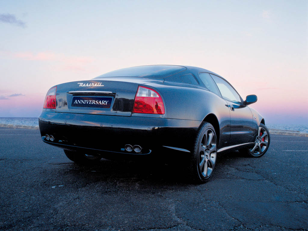You can vote for this Maserati Coupe photo