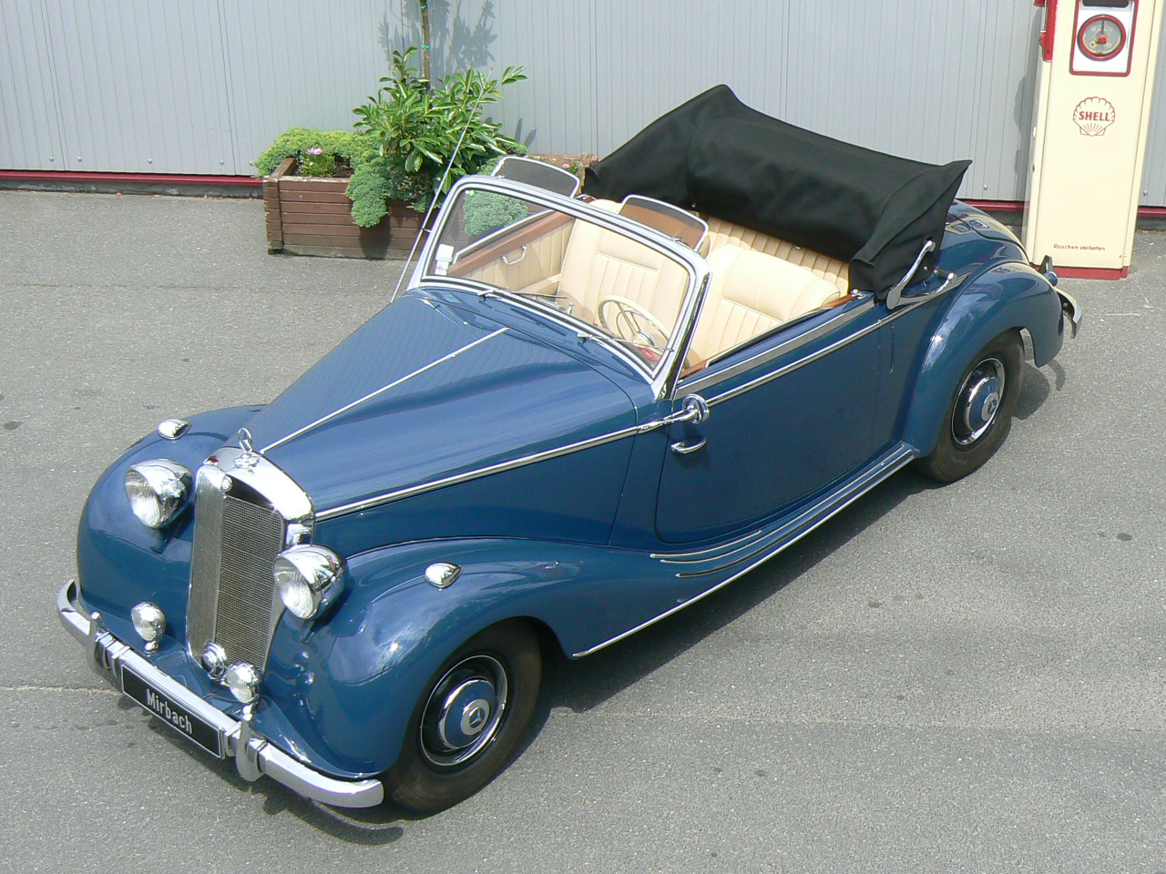 mercedes benz 170 s cabriolet photos photogallery with 5 pics. Black Bedroom Furniture Sets. Home Design Ideas