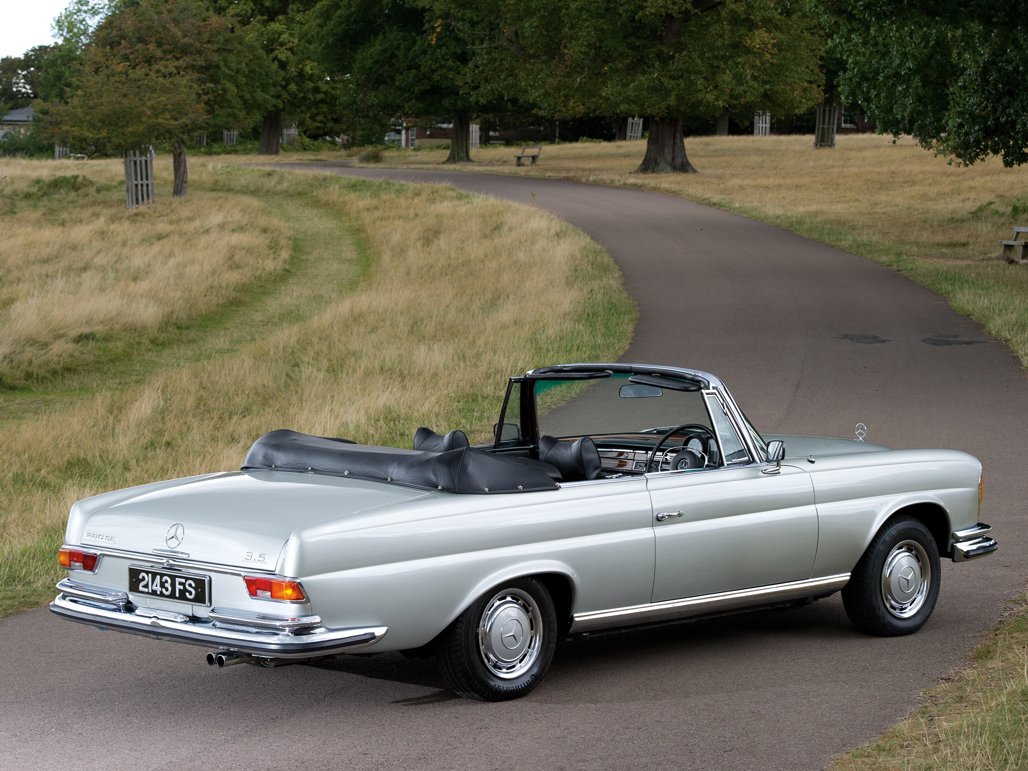 Mercedes Benz 280 Se Cabriolet Photos Photogallery With