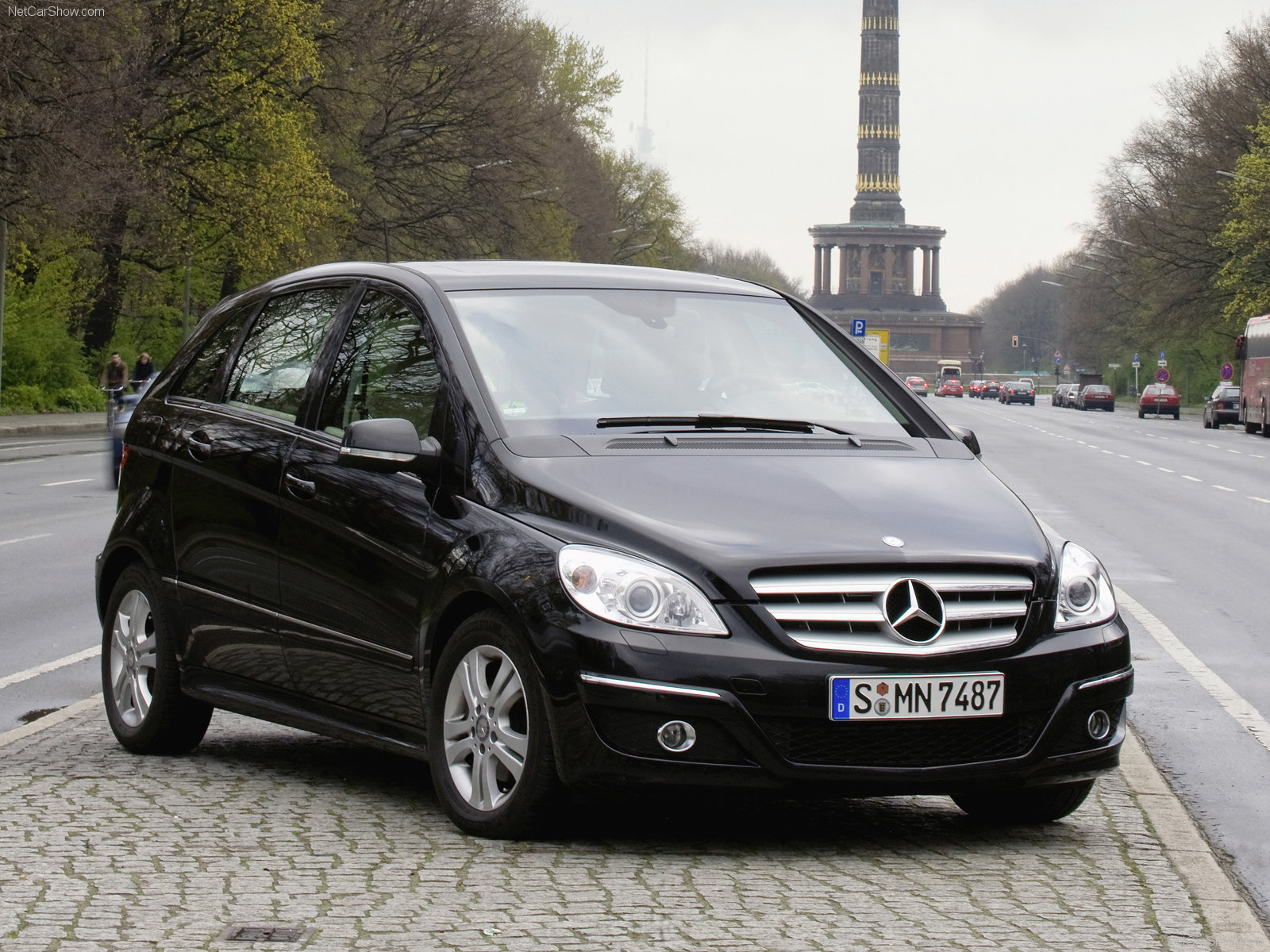 mercedes benz b class photos photogallery with 170 pics. Black Bedroom Furniture Sets. Home Design Ideas
