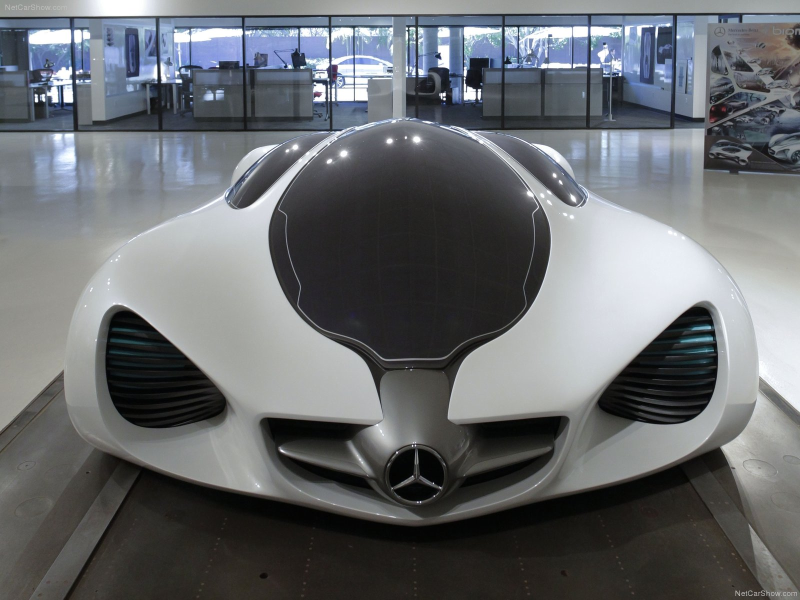 Mercedes benz biome photos photogallery with 11 pics for Mercedes benz biome