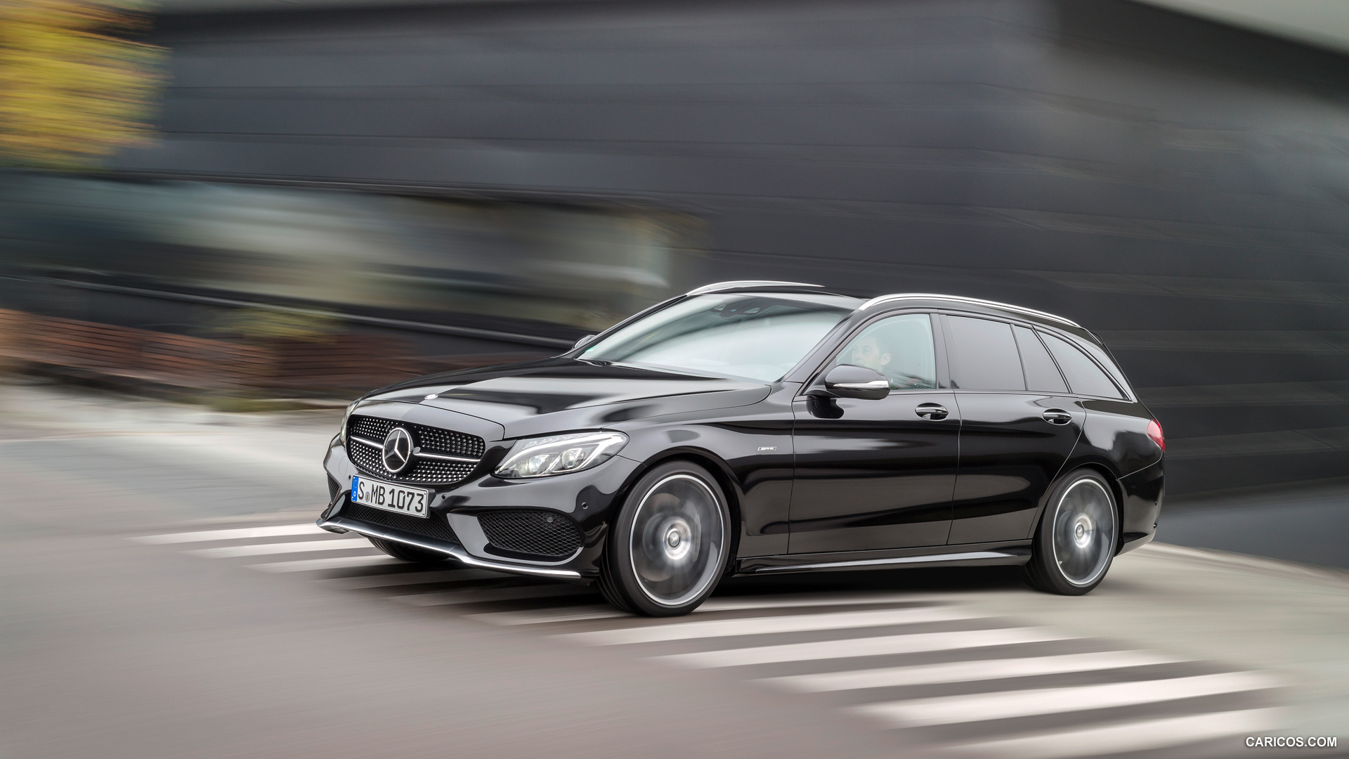 Mercedes Benz C450 Amg Estate Photos Photogallery With