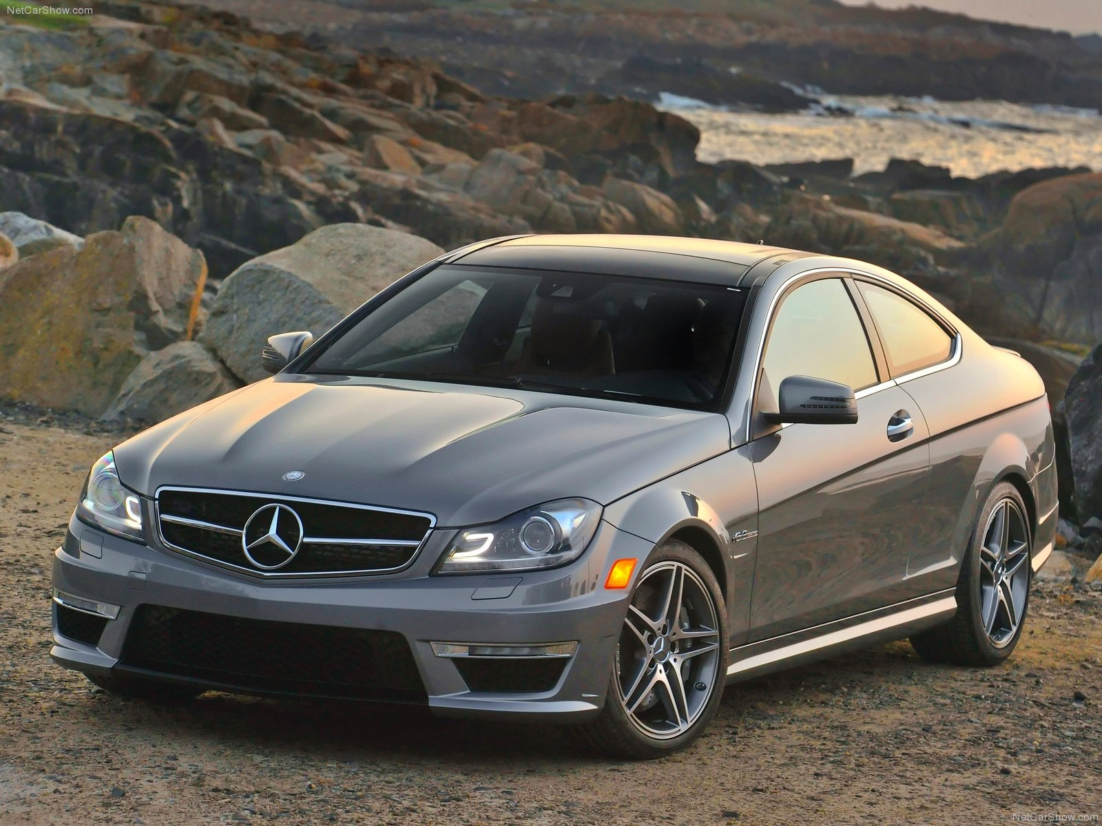Mercedes-Benz C63 AMG Coupe photo 84570