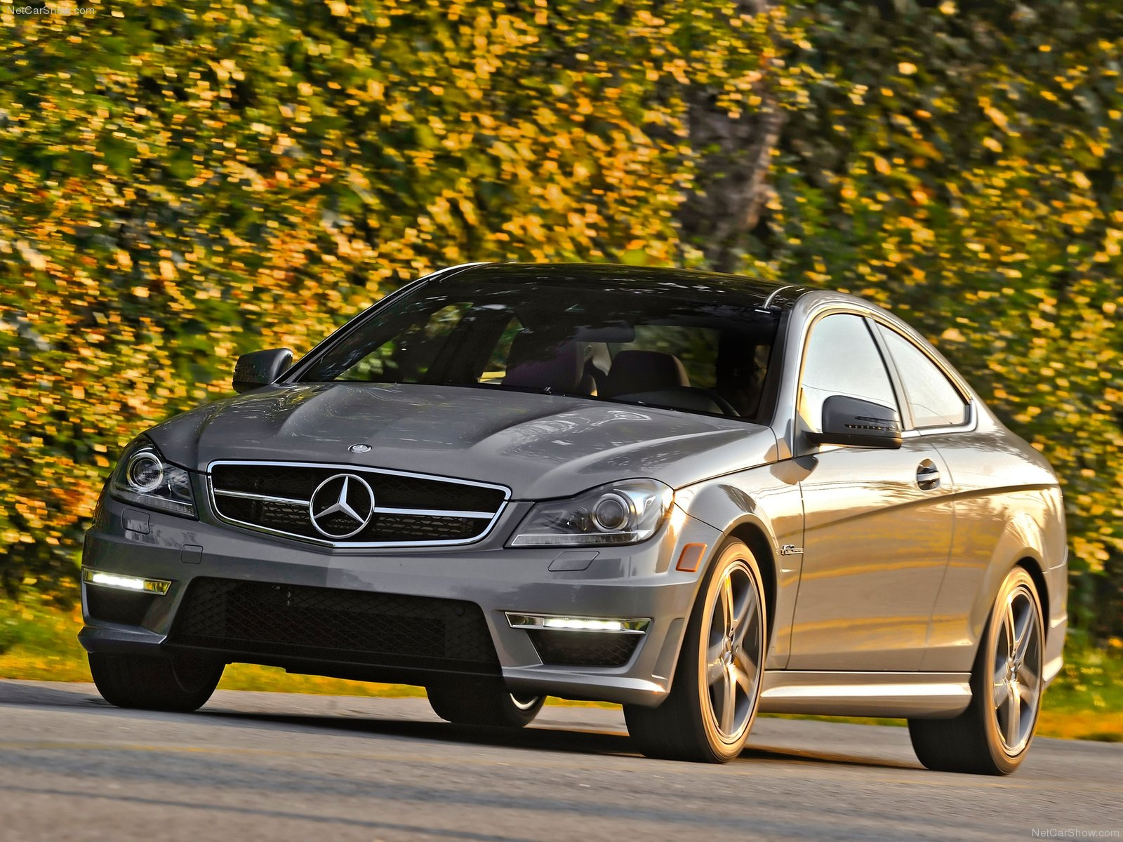 Mercedes-Benz C63 AMG Coupe photo 84572
