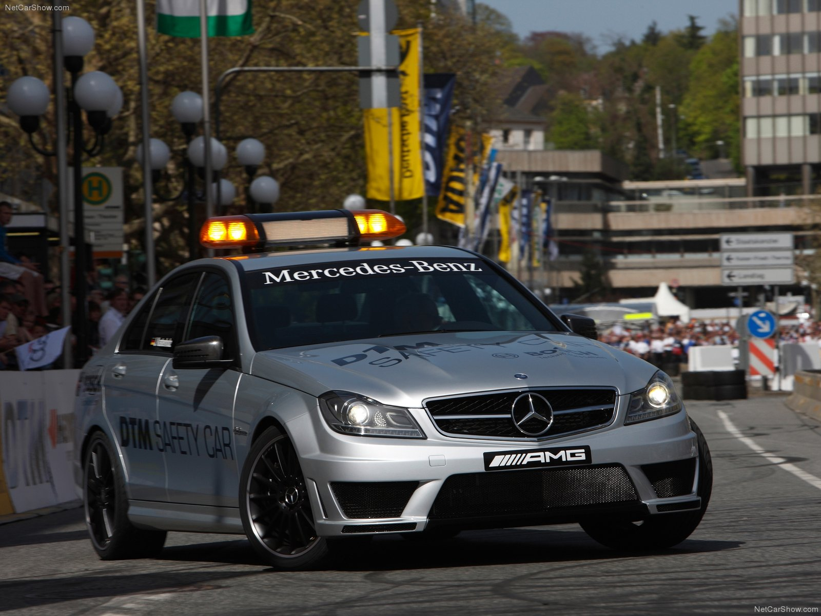 Mercedes benz c63 amg dtm safety car picture 80461 for Mercedes benz safety