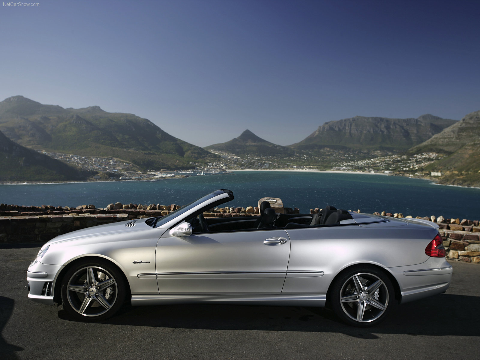 Mercedes benz clk amg photos photogallery with 38 pics for Mercedes benz clk 63 amg