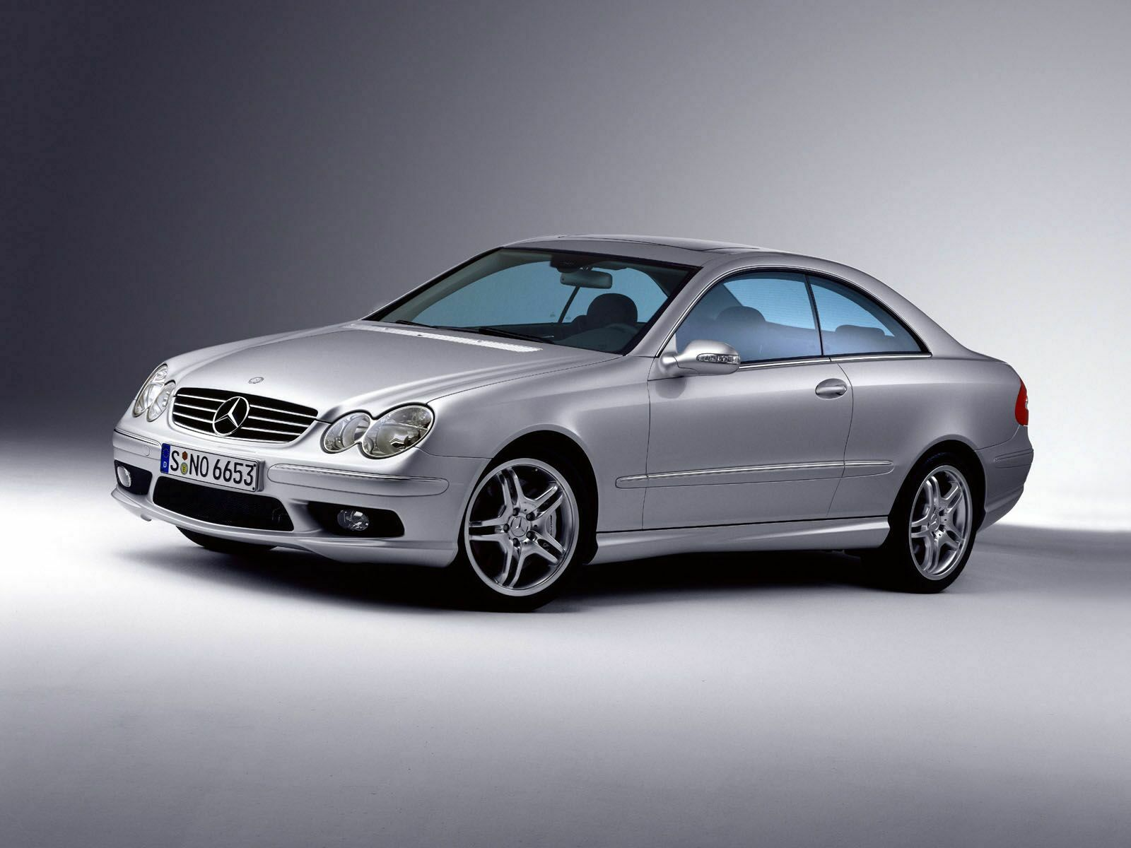 mercedes benz clk class w209 photos photogallery with 9. Black Bedroom Furniture Sets. Home Design Ideas