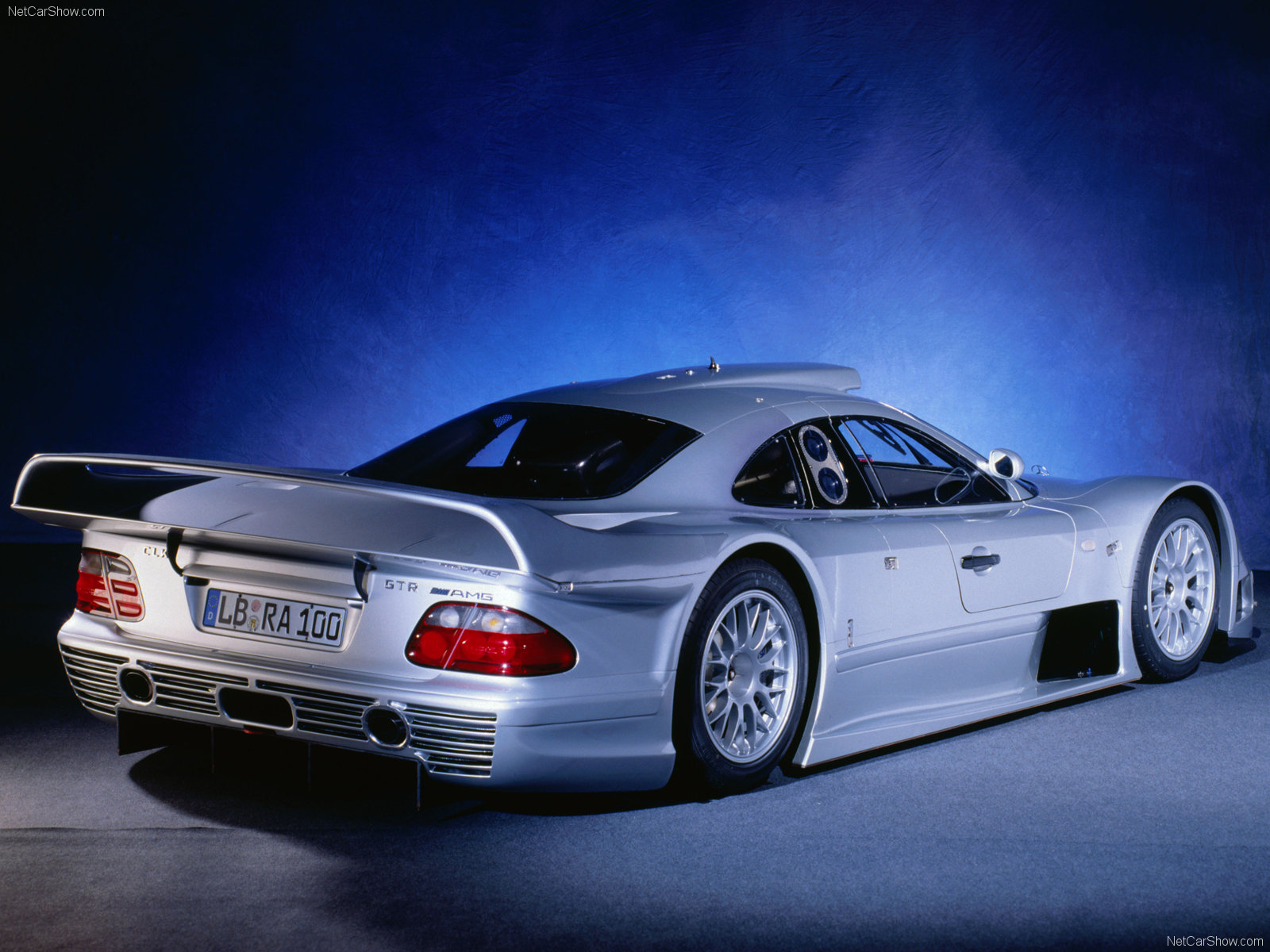 Mercedes benz clk gtr photos photogallery with 36 pics for Mercedes benz gallery