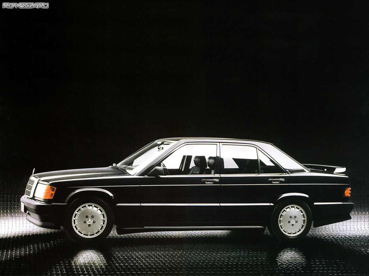 Mercedes benz c class w201 photos photo gallery page 2 for Mercedes benz 190e cosworth