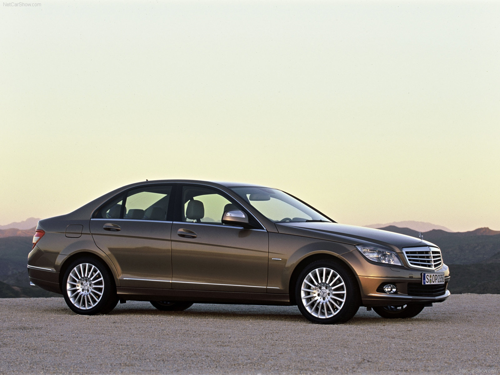 cclass c mercedes class mercedesbenz photos benz and momentcar information