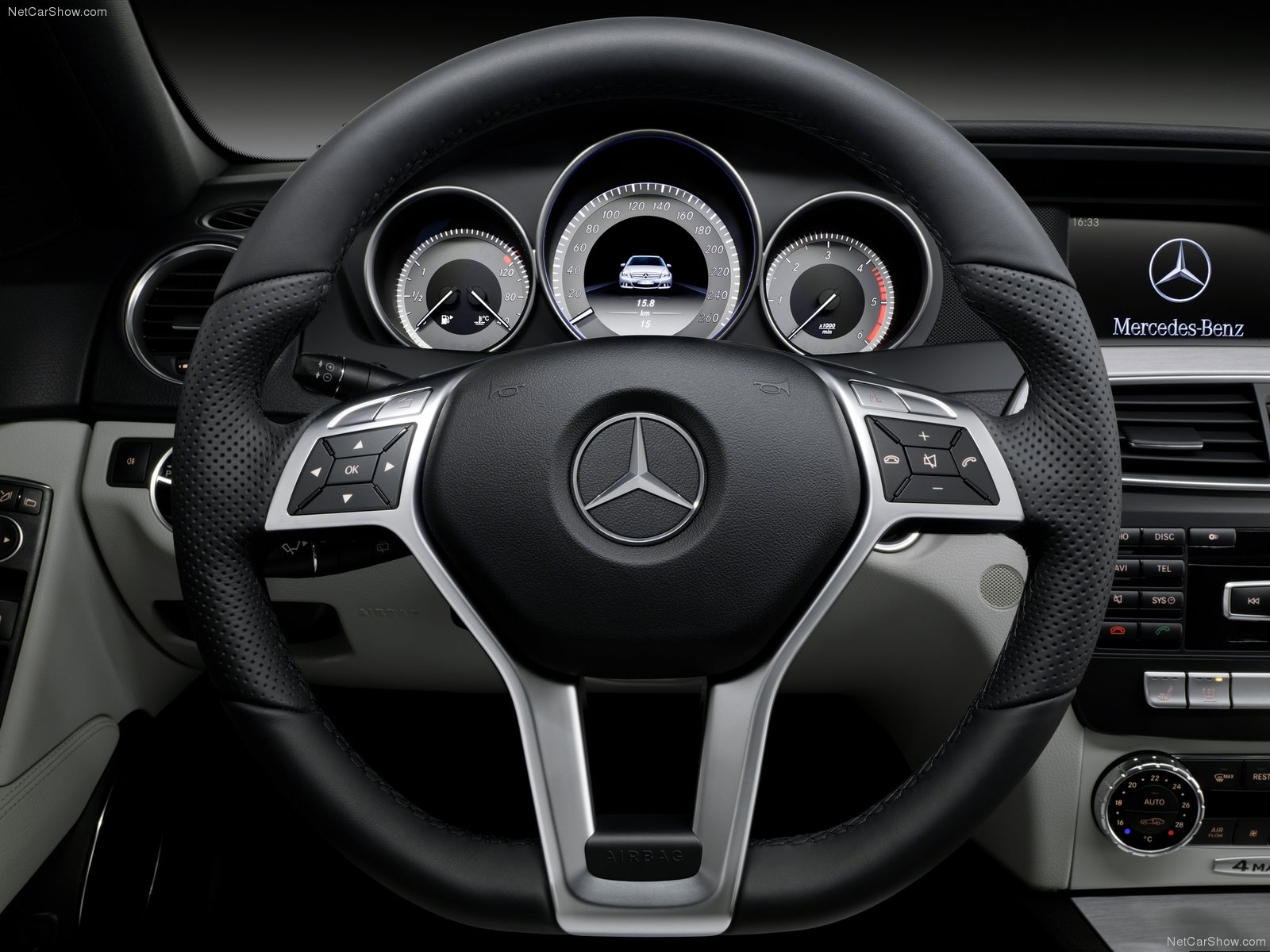 Ex les Of Menus In Spanish further 604160 Latest 2017 W213 Interior Exterior Photos moreover 2014 furthermore Mercedes Benz C Class W204 model 8481 besides 2007 Mercedes Benz CLS550 Pictures 11261. on 2010 mercedes cls550 interior