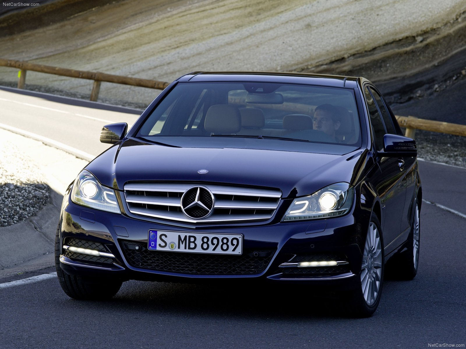 mercedes benz c class w204 photos photogallery with 47
