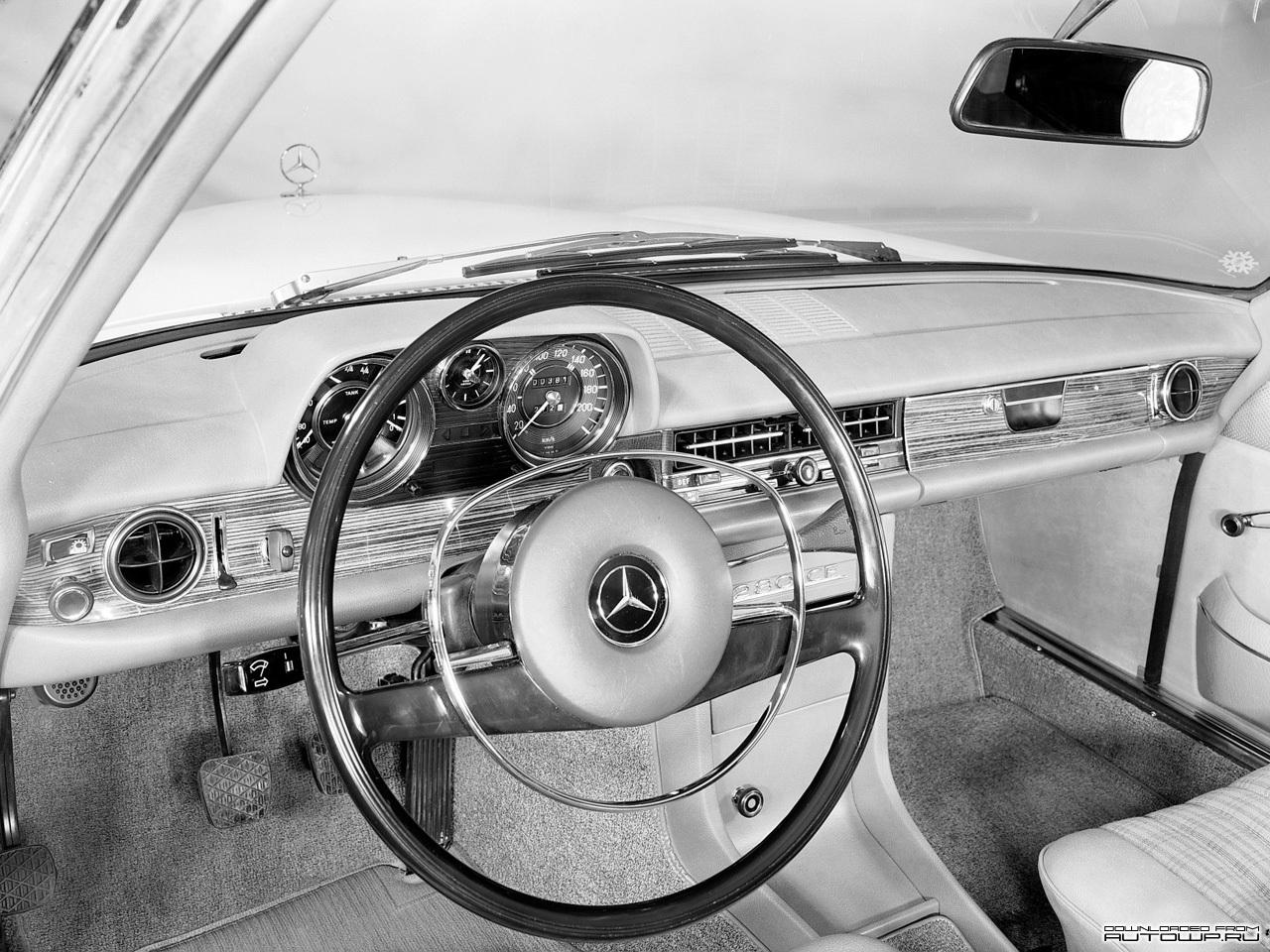 Mercedes-Benz E-Class W114