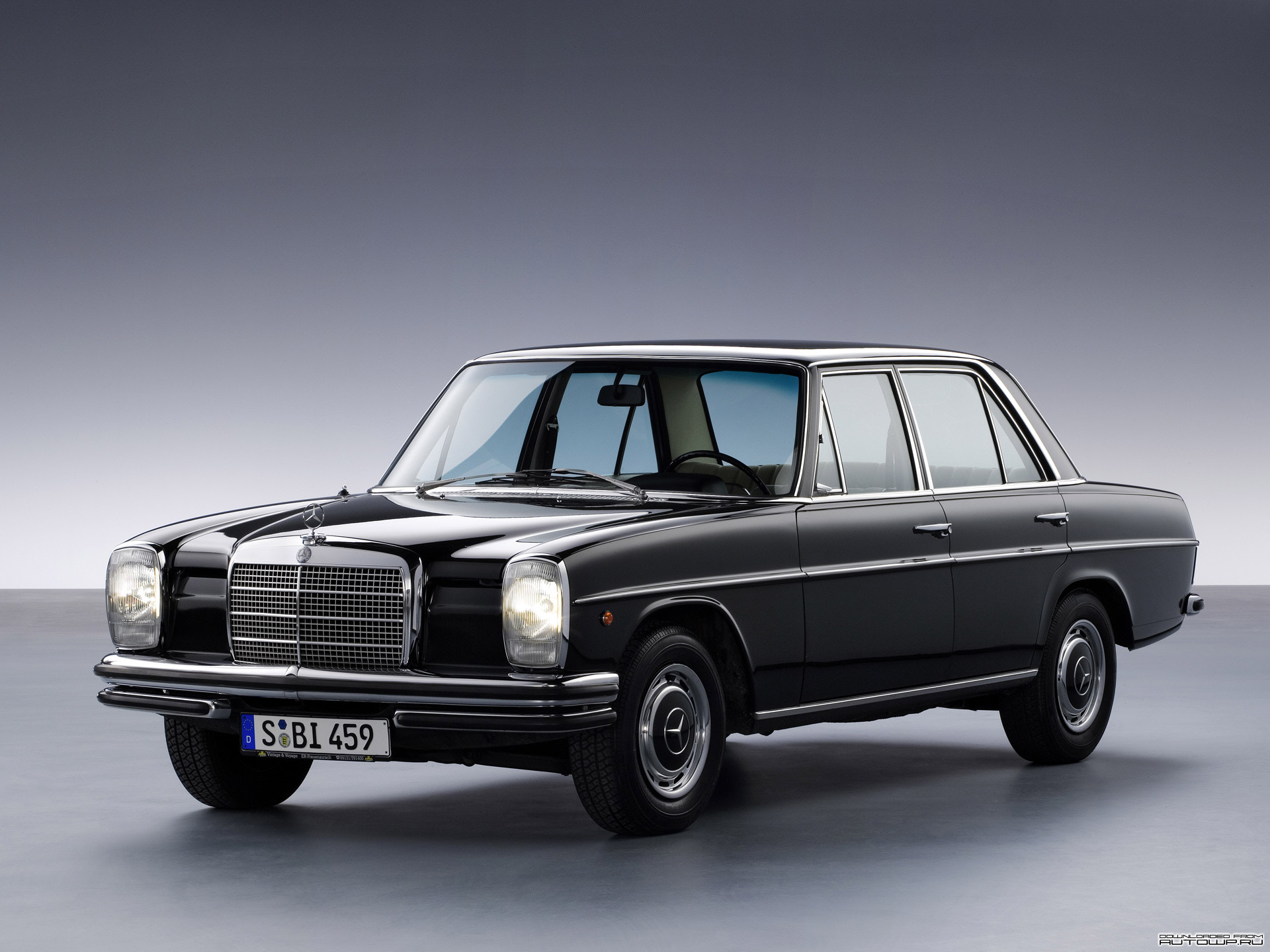 Mercedes Benz E Class W114 W115 Photos Photogallery With