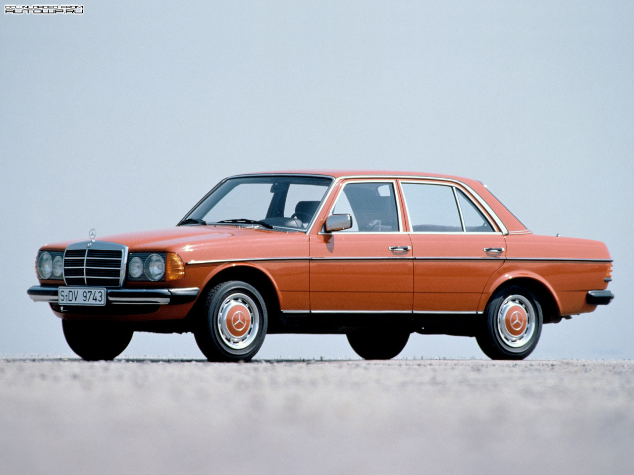 Mercedes benz e class w123 photos photogallery with 38 for Mercedes benz w123