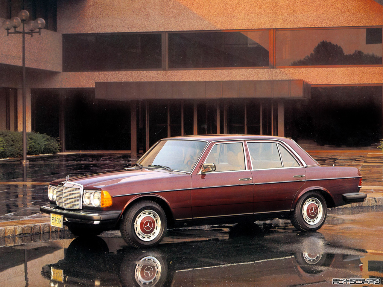 Mercedes-Benz E-Class W123 photo 76644