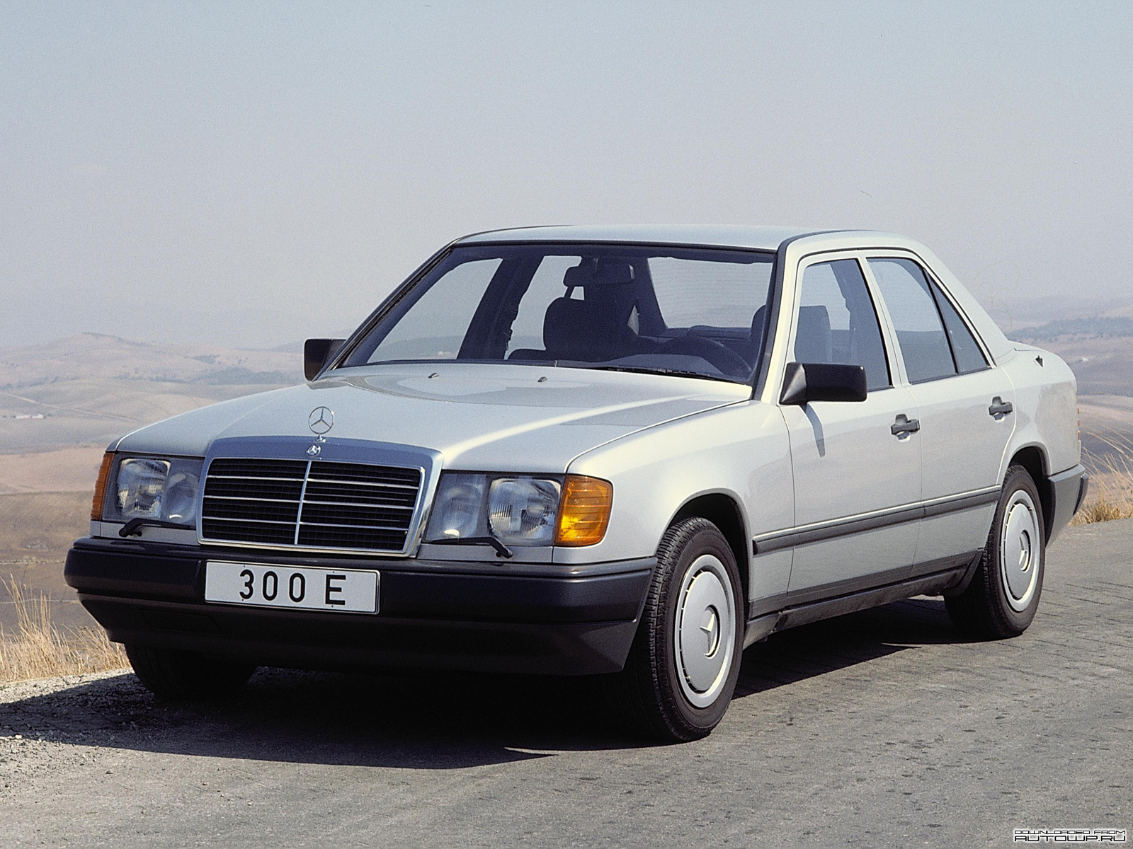 Mercedes benz e class w124 photos photo gallery page 2 for Mercedes benz w