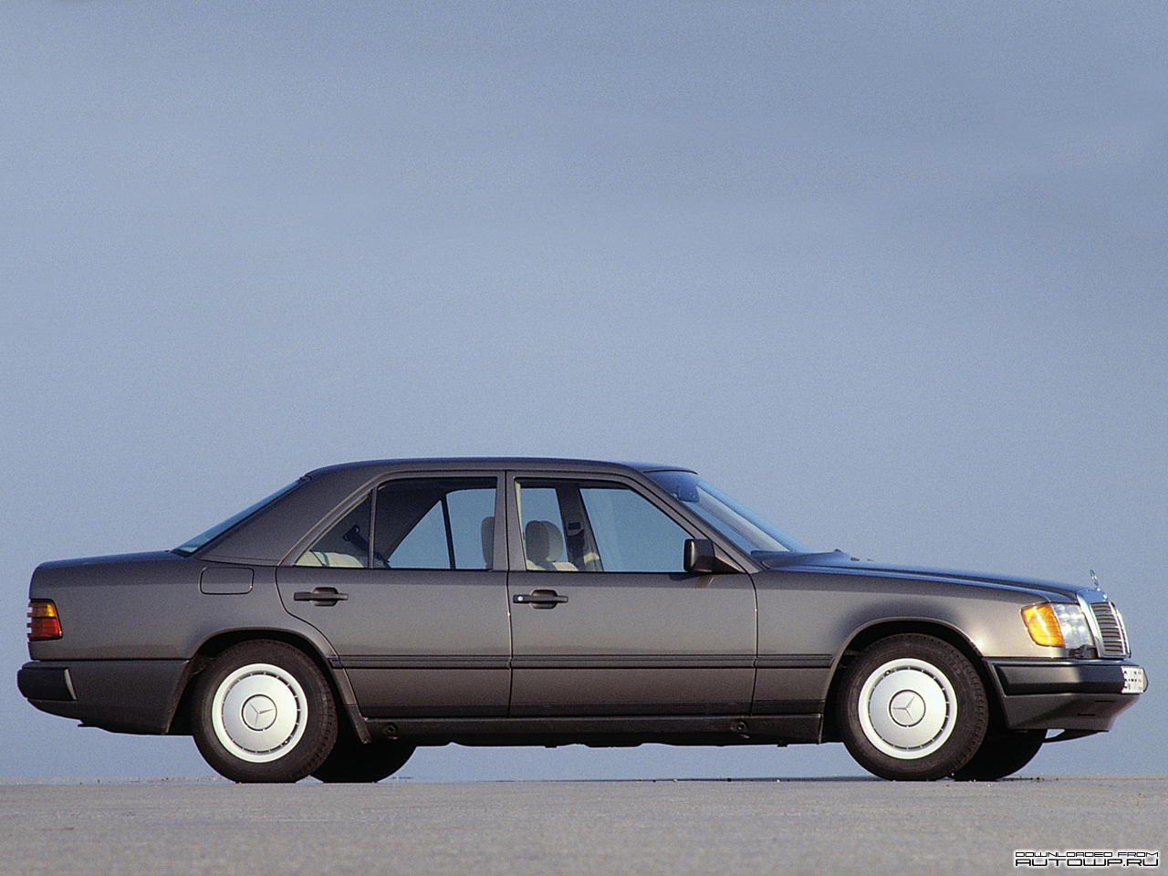 Mercedes Benz E Class W124 Photos Photogallery With 25