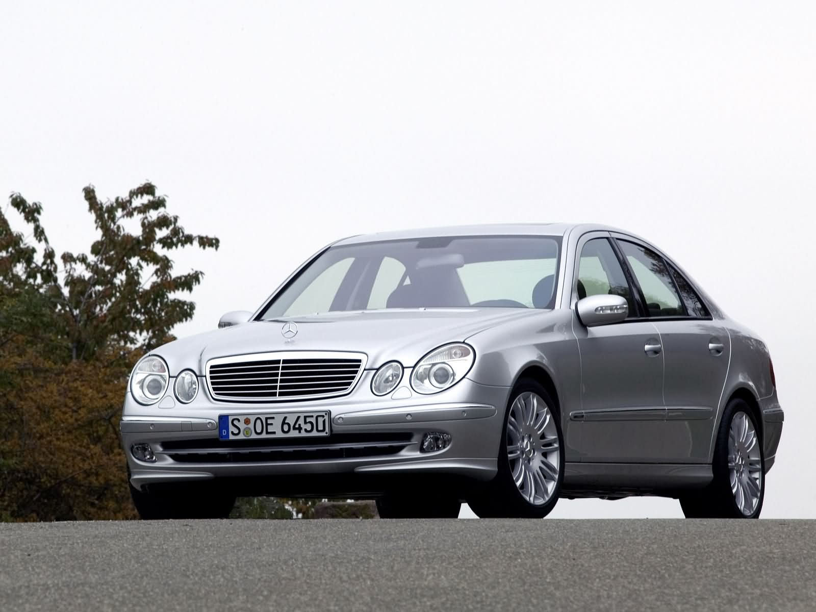 Mercedes benz e class w211 photos photogallery with 38 for Mercedes benz forum e class