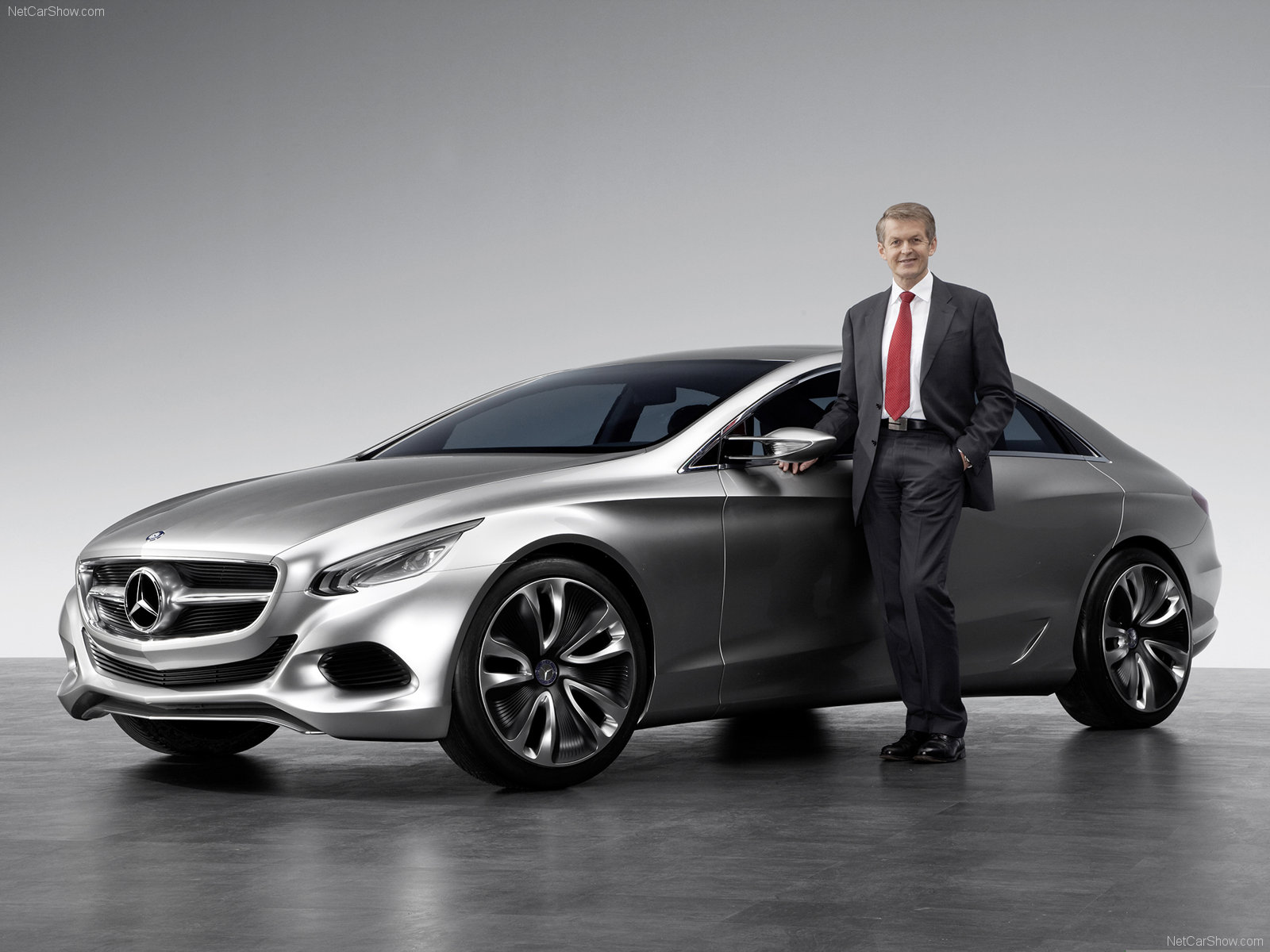 Mercedes benz f800 photos photogallery with 15 pics for Mercedes benz f800