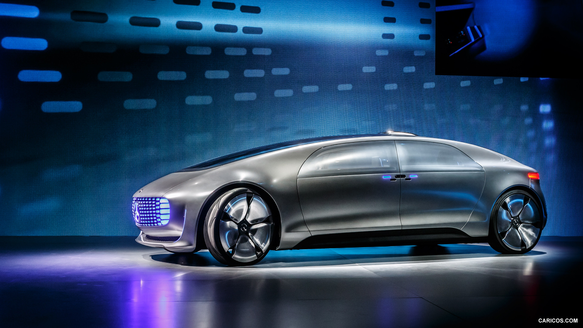 Mercedes benz f 015 luxury photos photogallery with 15 for Mercedes benz f