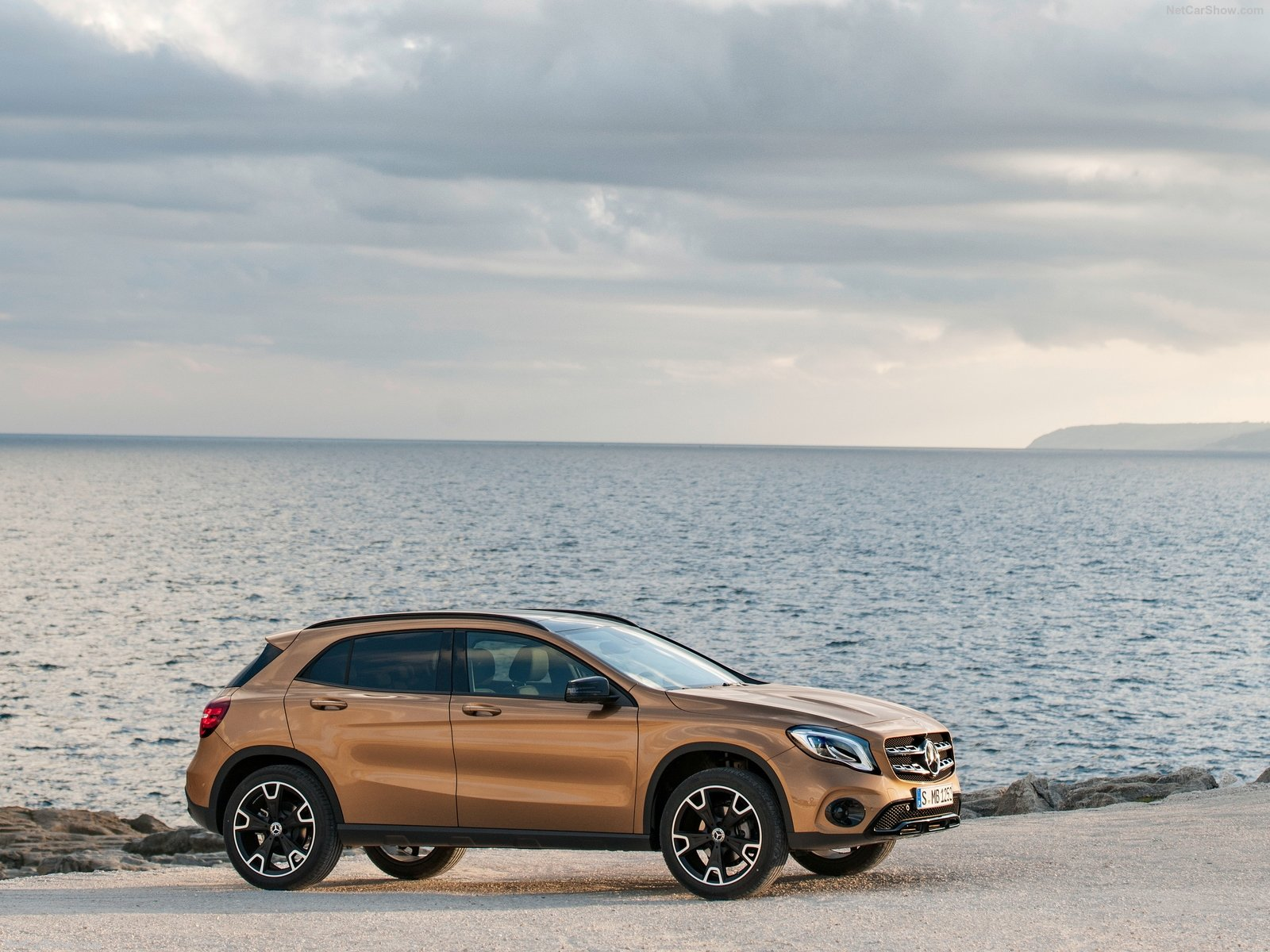 Mercedes-Benz GLA-Class photo 186029