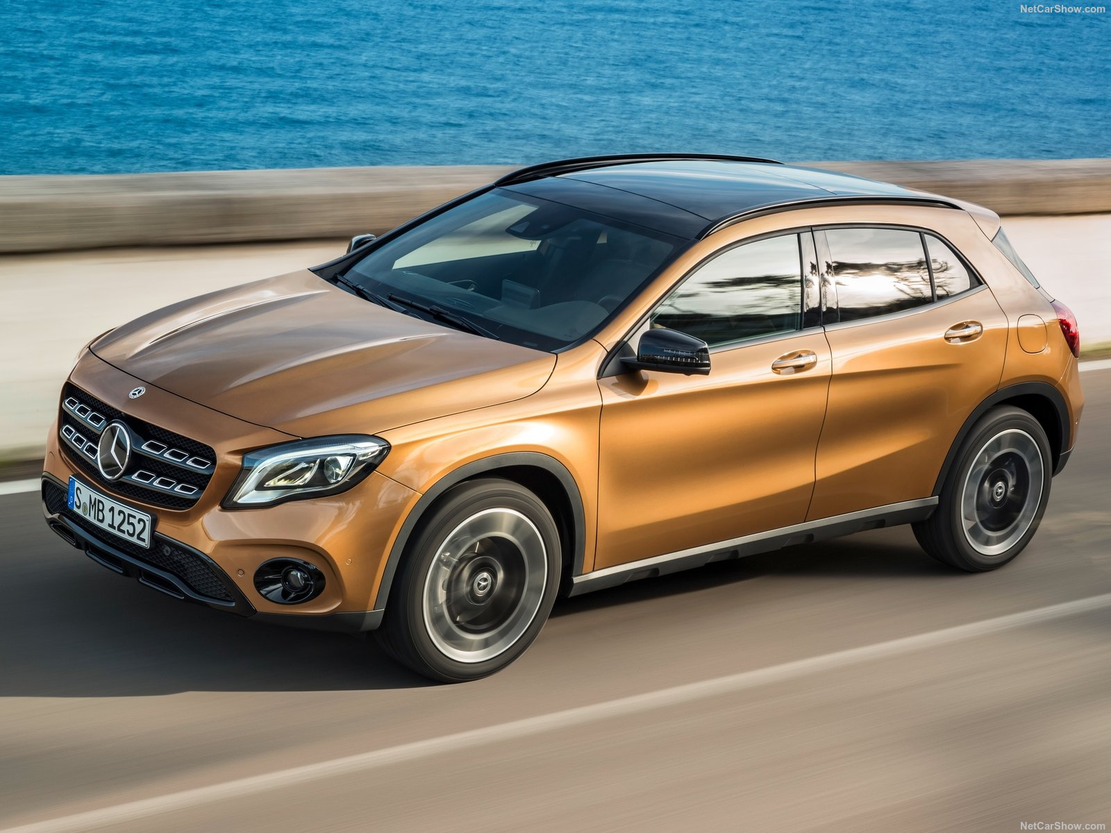 Mercedes-Benz GLA-Class photo 186035