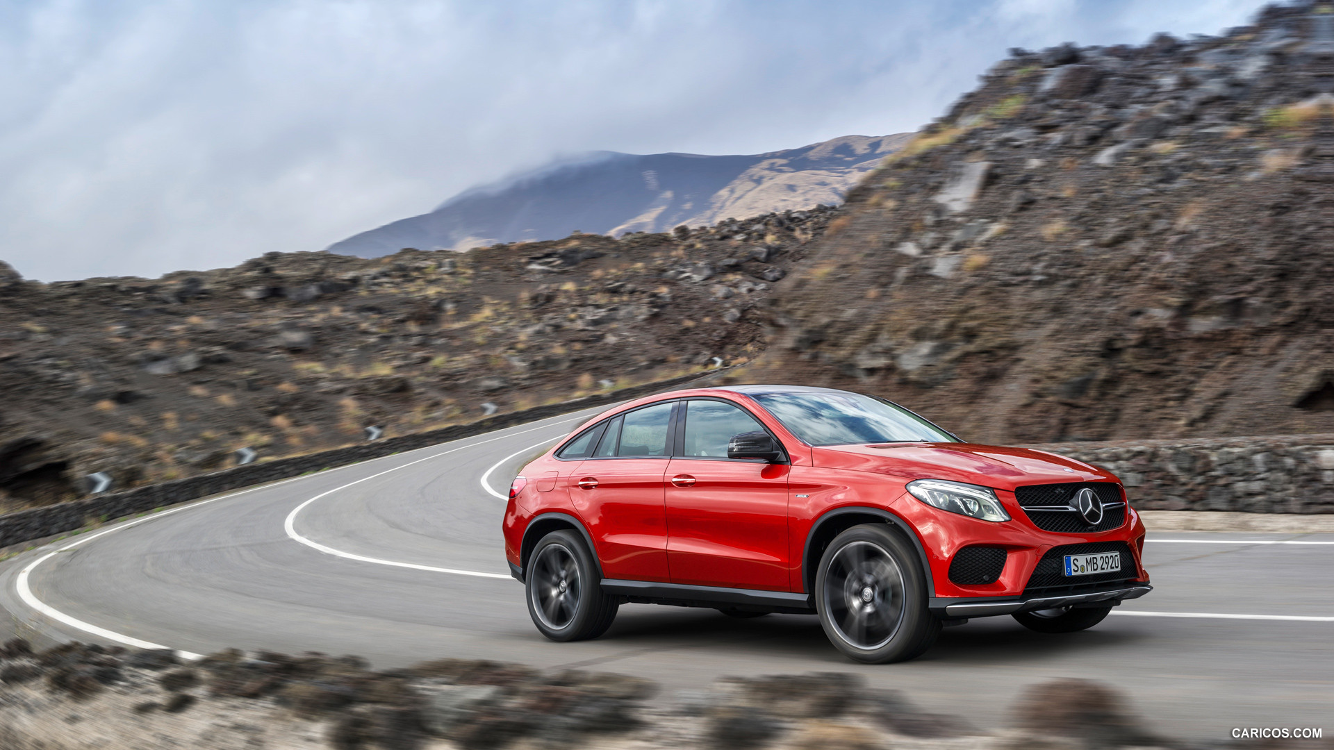 mercedes benz gle 450 amg photos photogallery with 25 pics. Black Bedroom Furniture Sets. Home Design Ideas