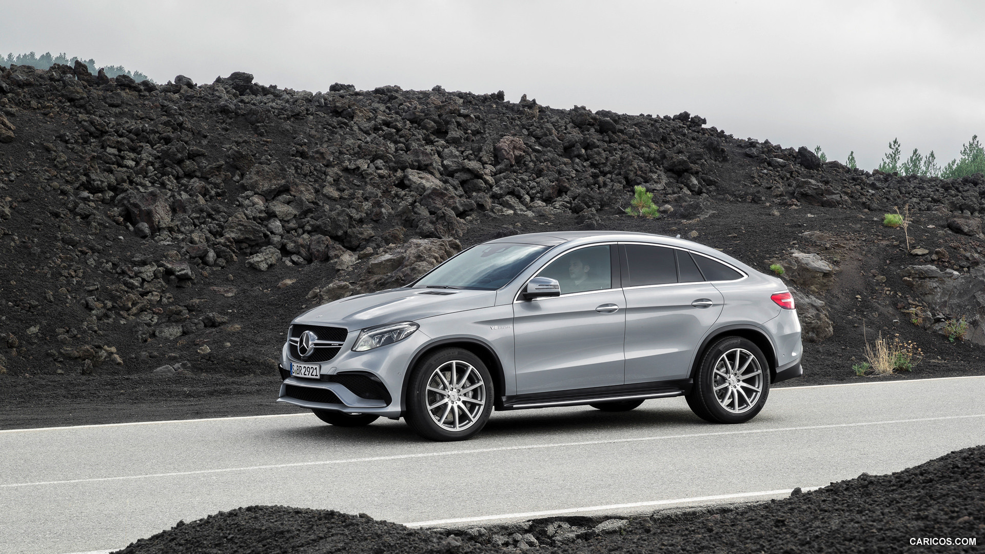 mercedes benz gle 63 coupe photos photogallery with 33 pics. Black Bedroom Furniture Sets. Home Design Ideas