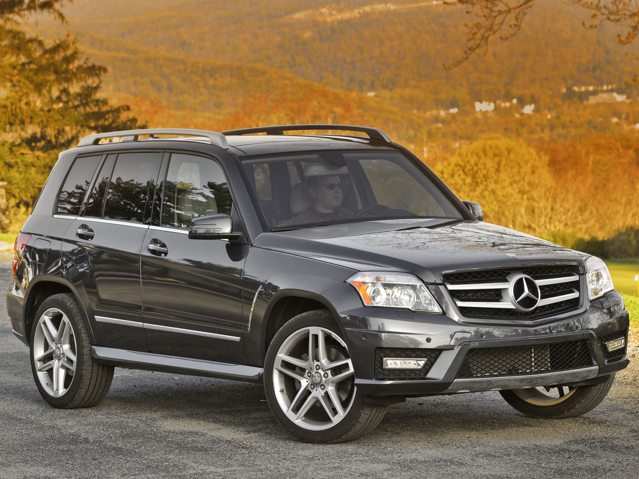 Glk 350 amg pictures to pin on pinterest pinsdaddy for Mercedes benz glk 350 amg